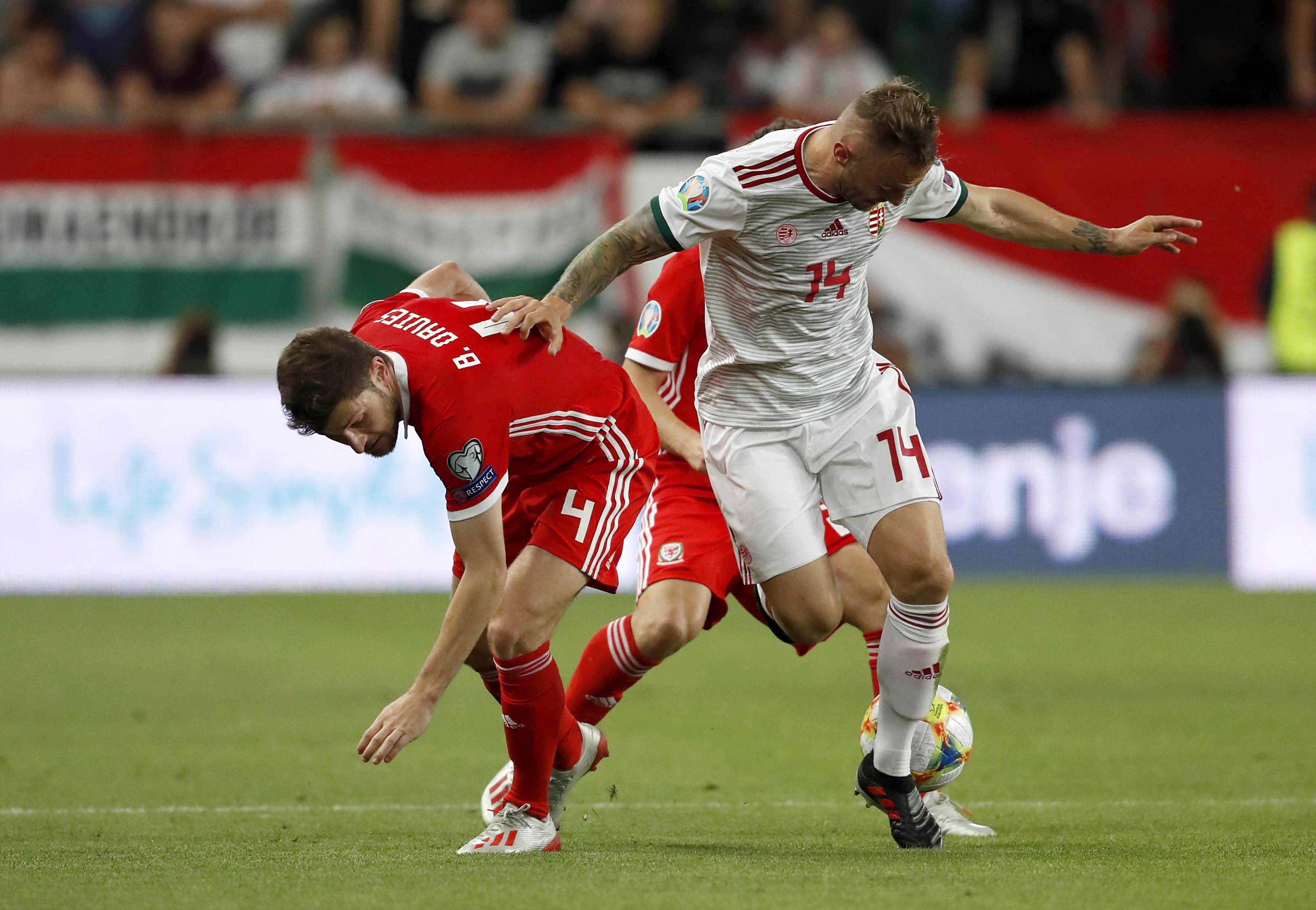 Tottenham's Ben Davies undergoes offseason groin surgery