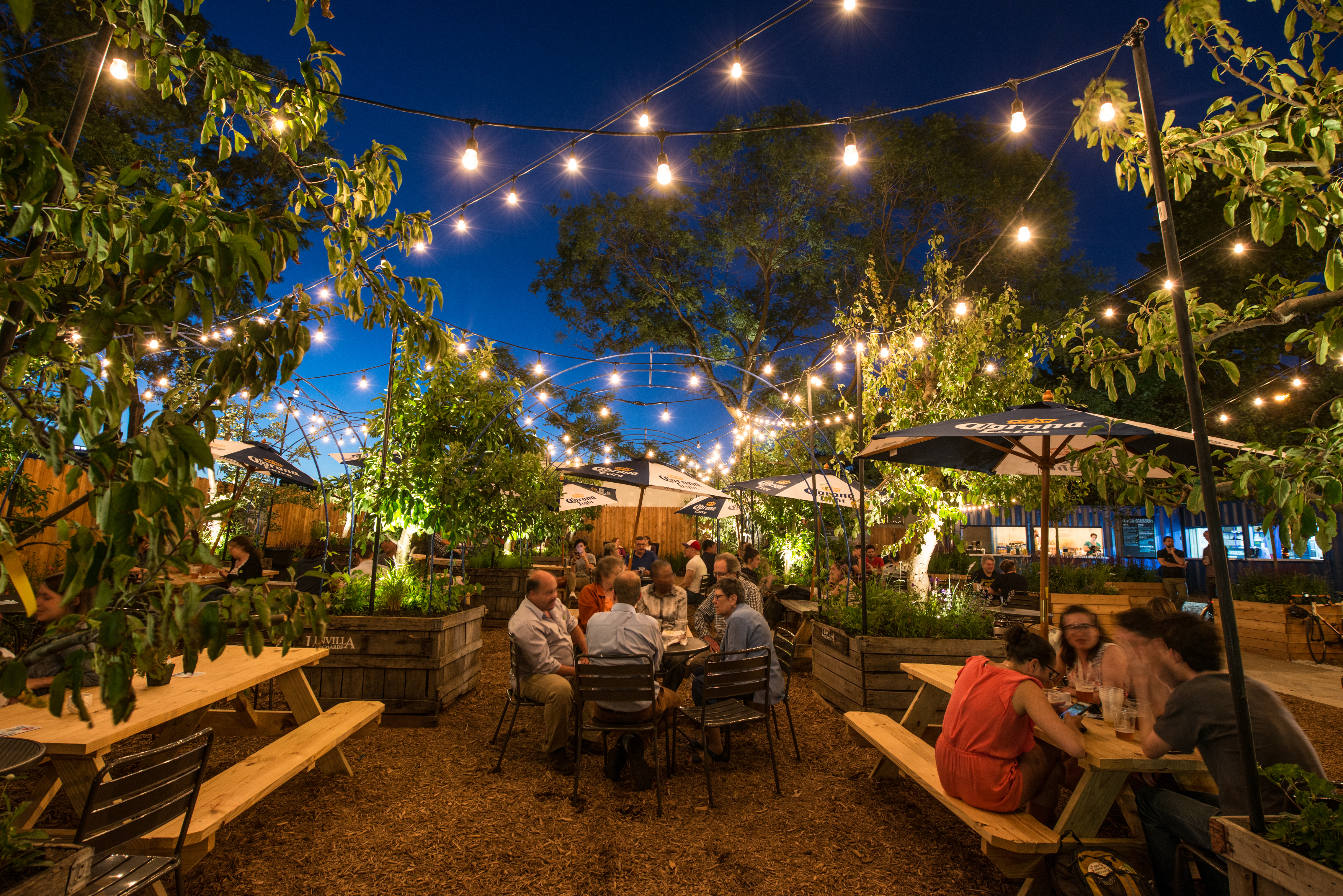 The Ultimate Guide to Eating and Drinking Outside in Philly