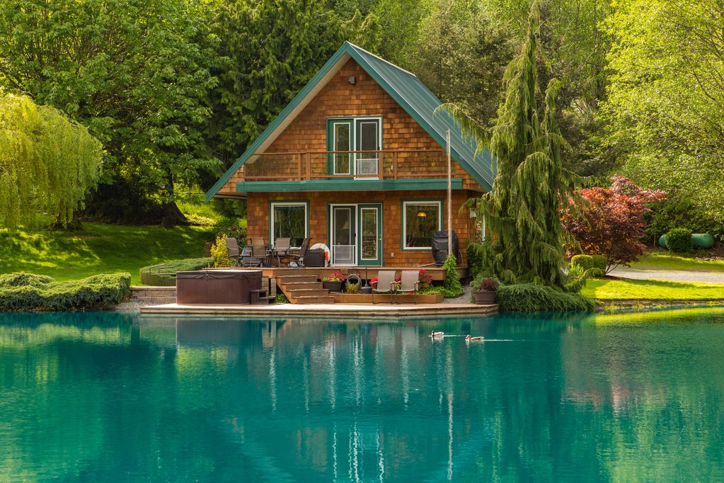 7 serene lake houses you can rent right now