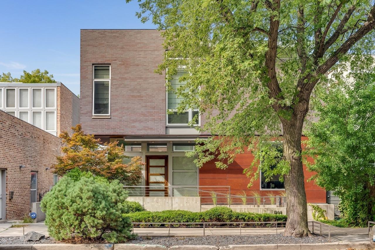 Geometric, modern home with elegant pool asks $3.5 million in Bucktown