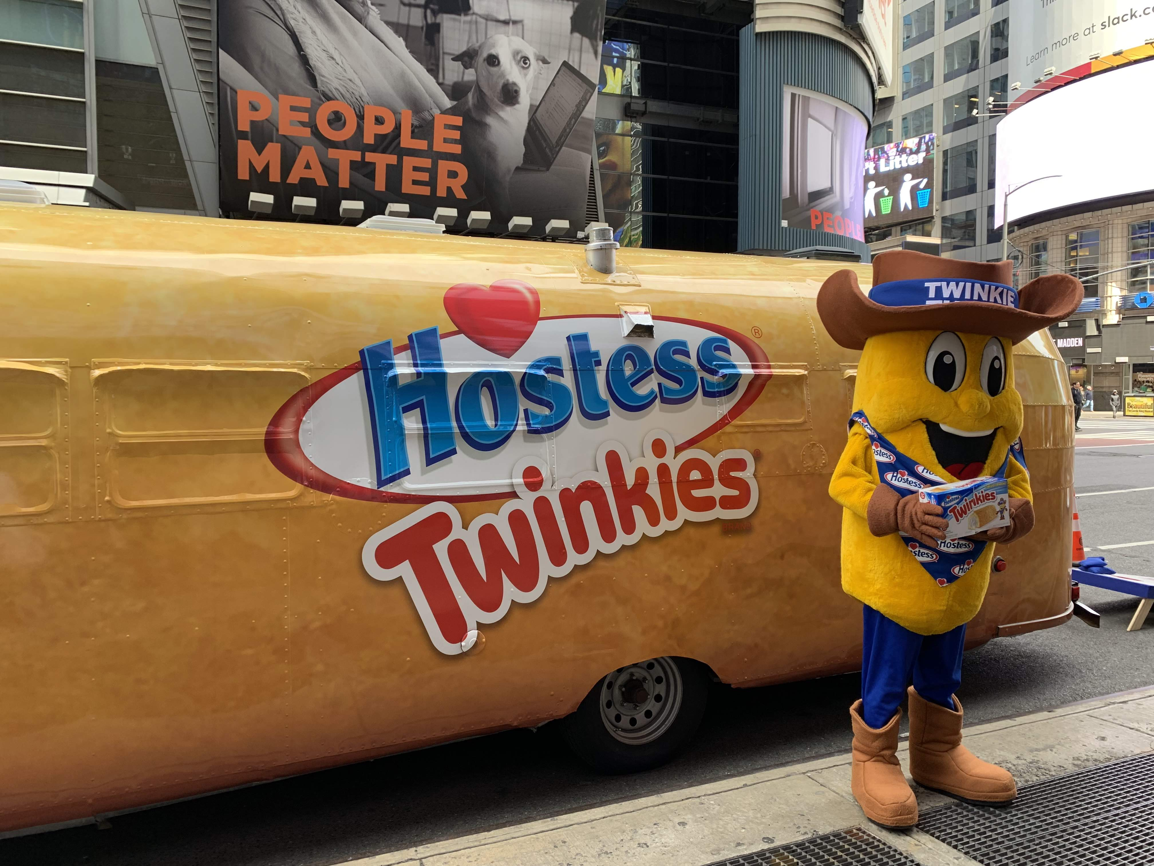 The Twinkiemobile Rolls Through Boulder City This Weekend
