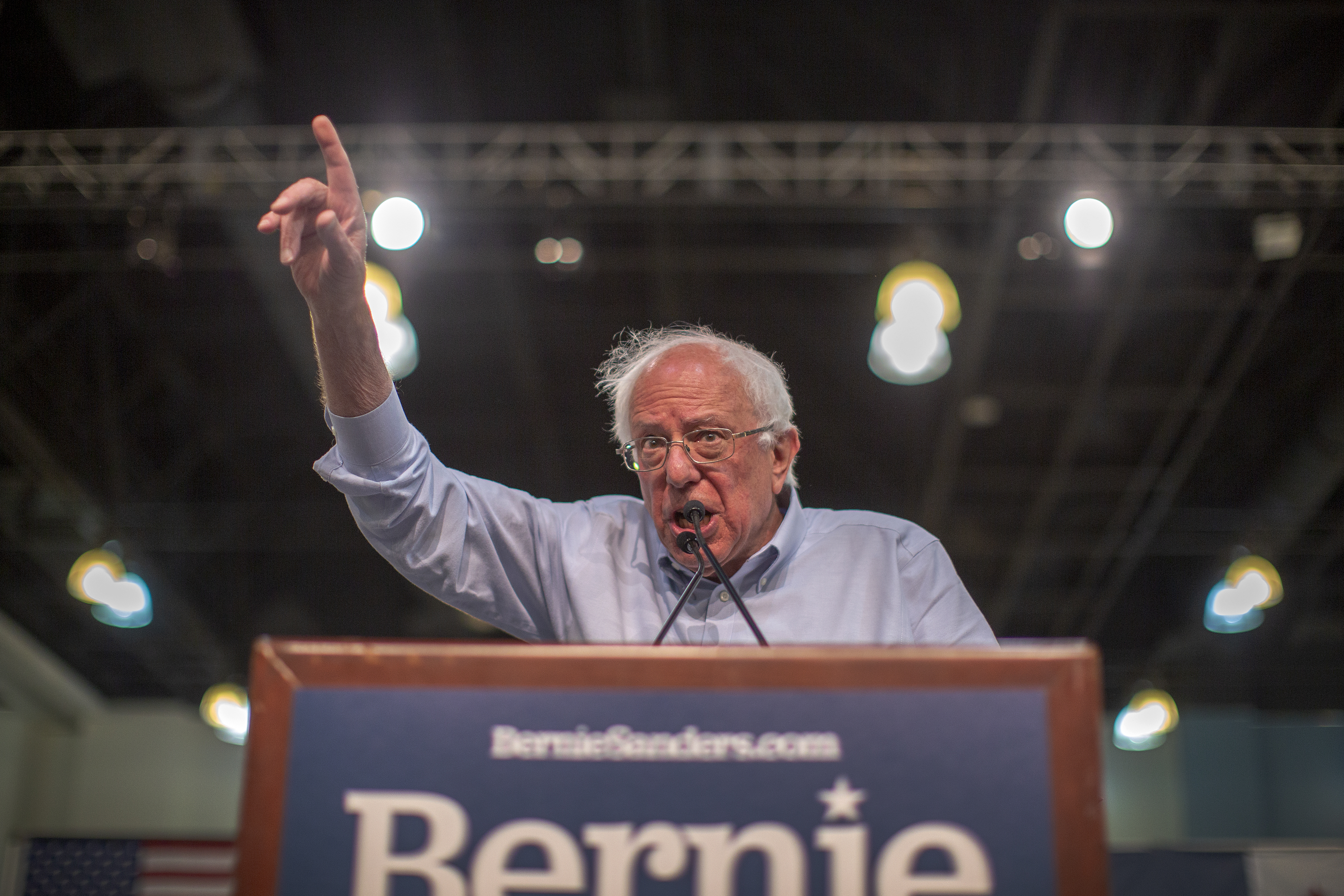 Bernie Sanders applauds the gaming industry's push for unionization