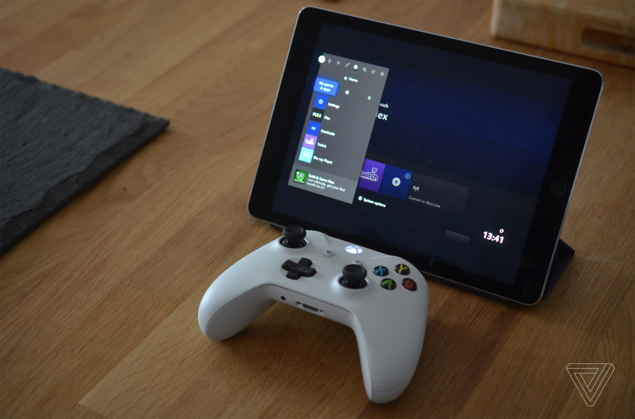 Apple's Xbox and PS4 controller support turns an iPad into a