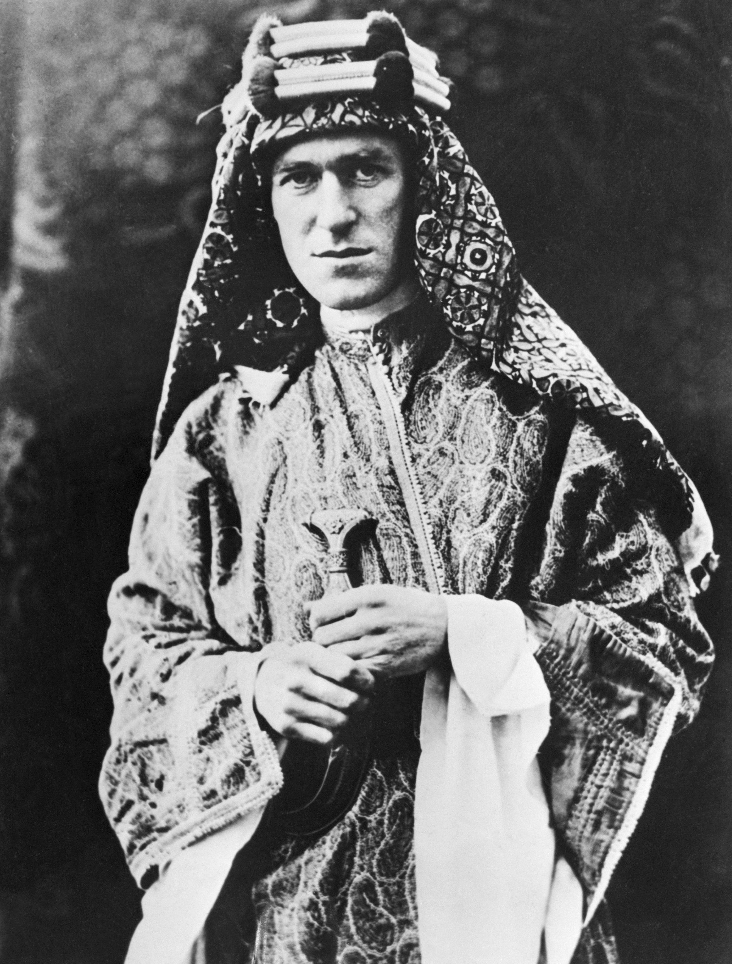 Lawrence of Arabia in 1927, dressed in Arab clothing.