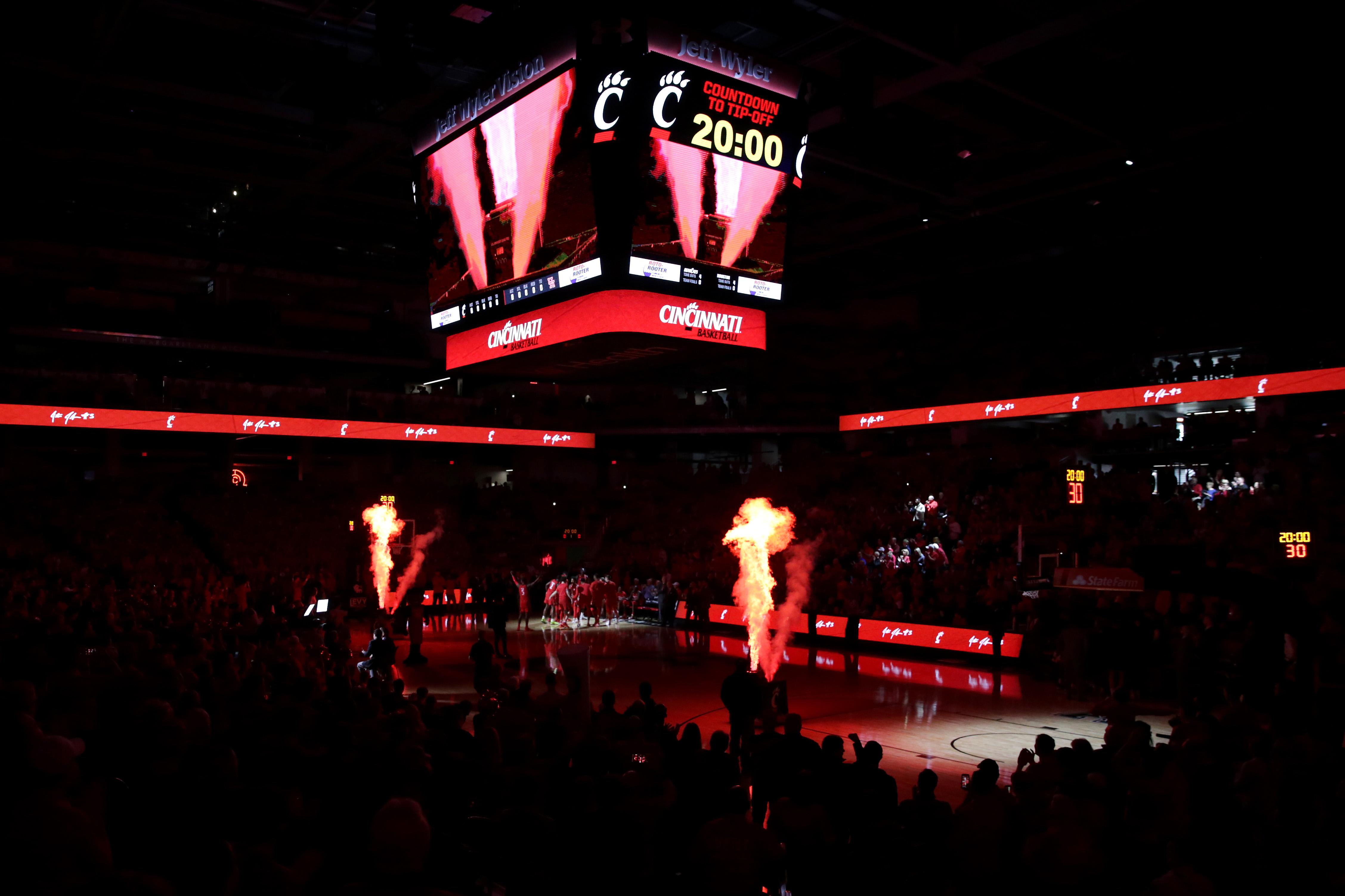 NCAA Basketball: Houston at Cincinnati