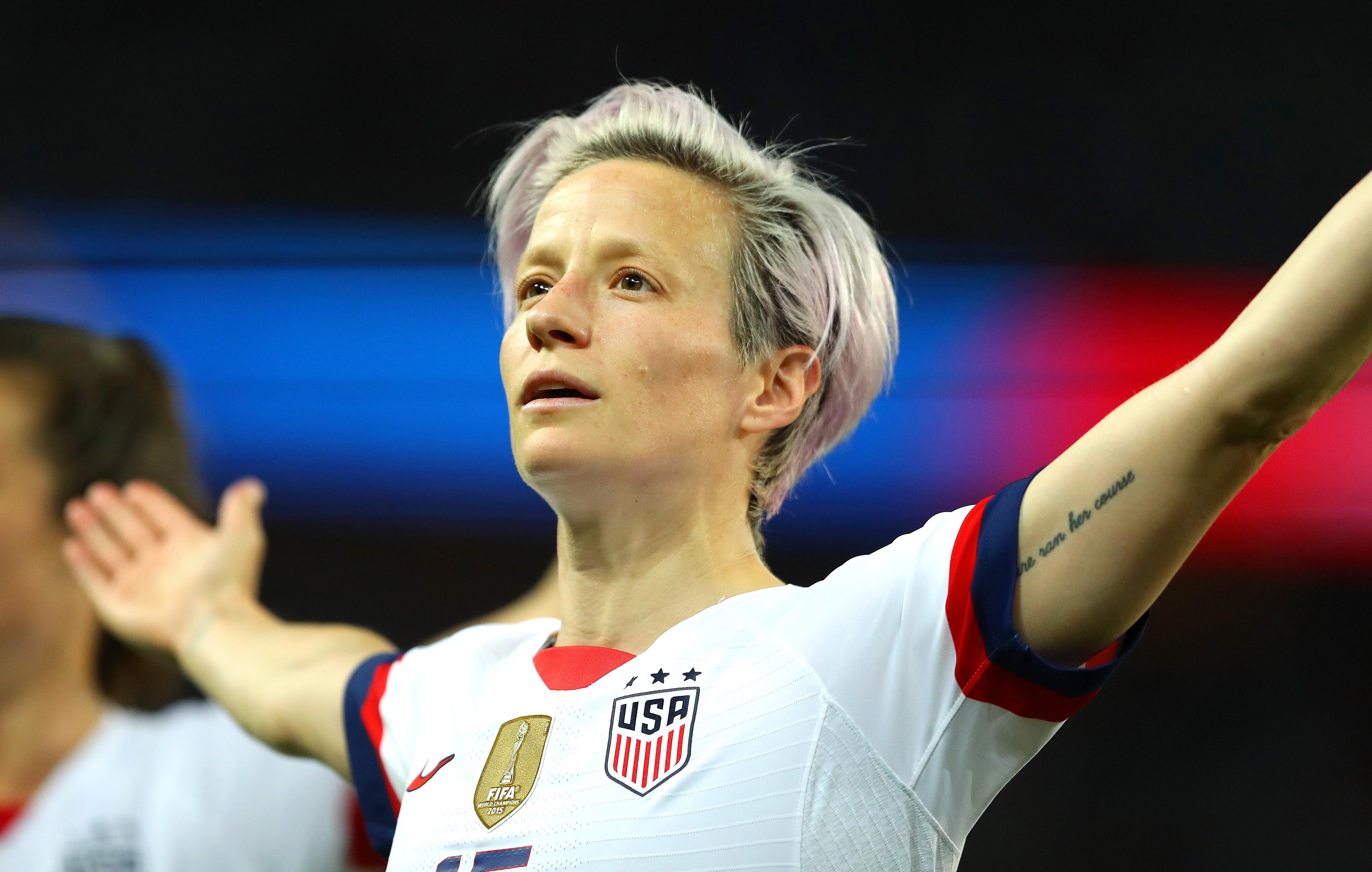 法国法国:法国的新冠军……20岁的美国女性
