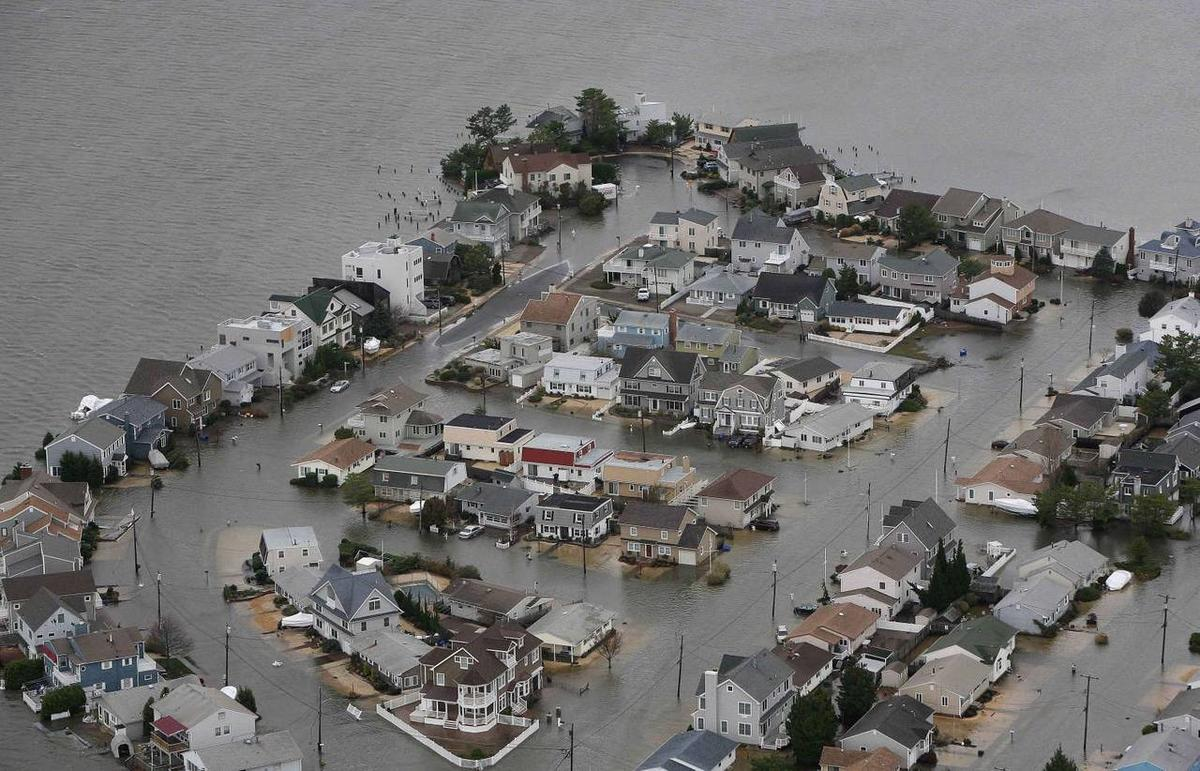 In the wake of Hurricane Sandy, the Federal Trade Commission is warning storm victims to be on the lookout against potential scams that could ruin their lives even more.