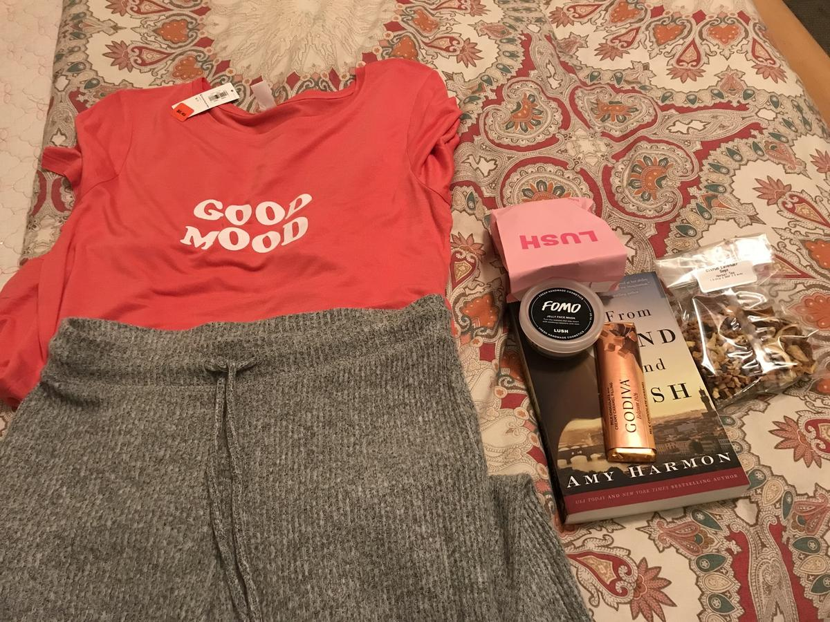 Chocolate, herbal tea, a face mask, a good book and a bath bomb? How could I not be in a good mood! Gifts from my husband that sparked gratitude after a grumpy day.
