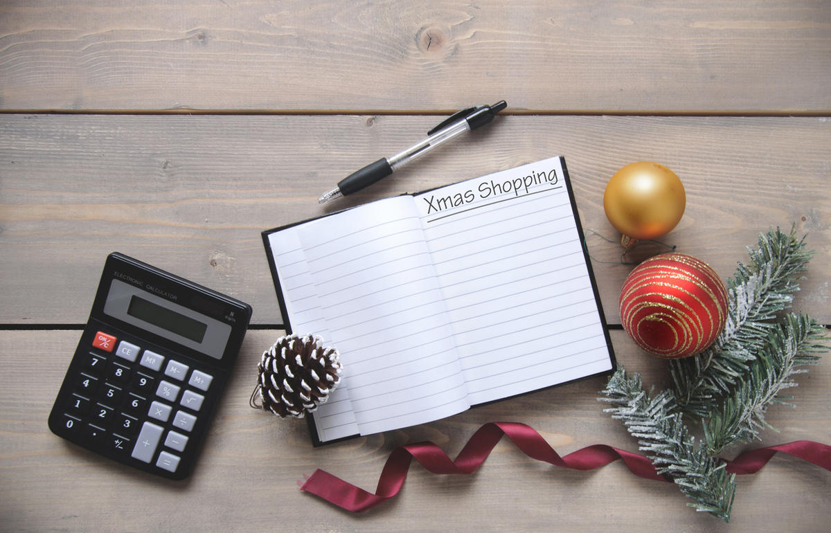 Dave Ramsey advises how to plan for spending for Christmas.