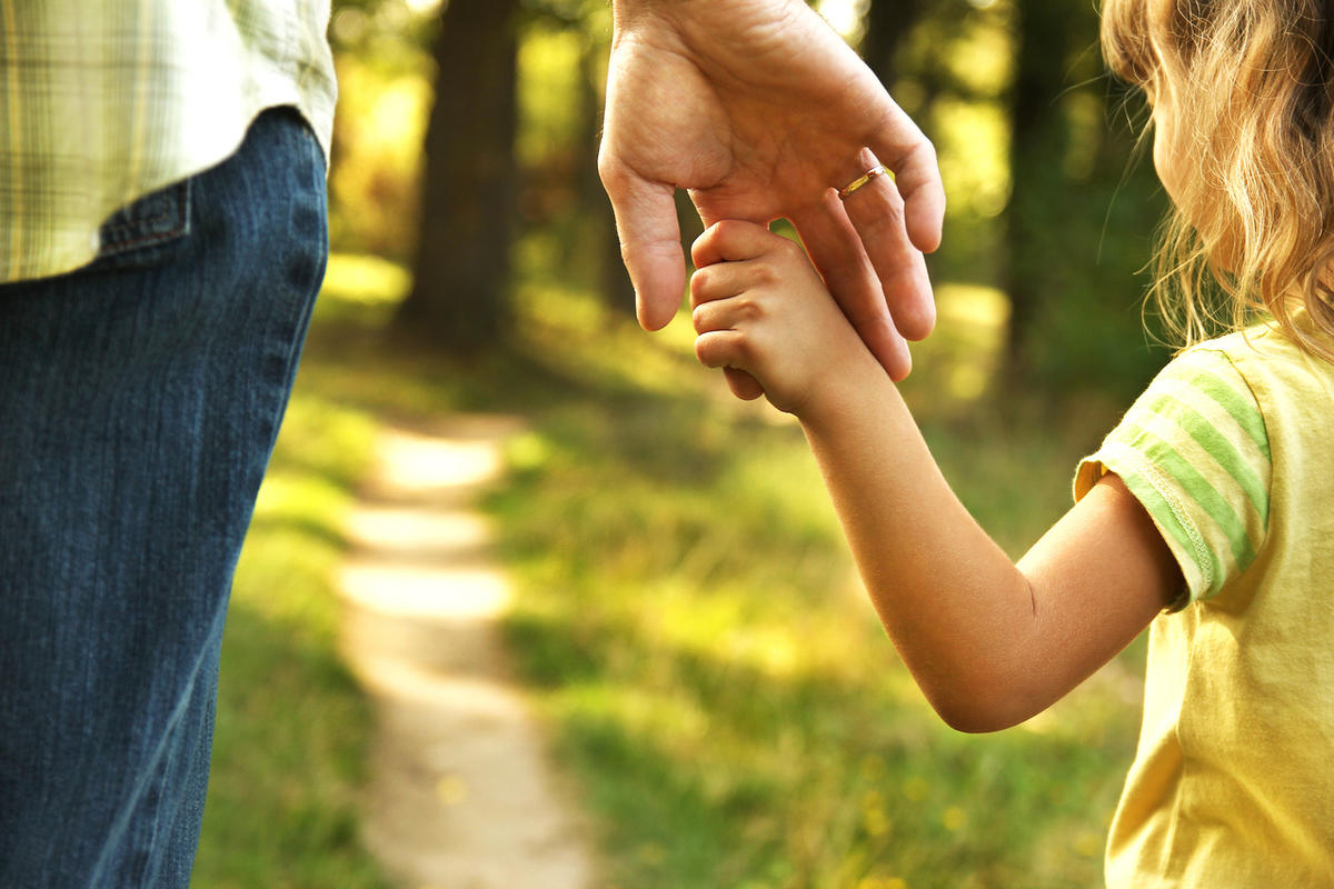 """Erin Stewart shares highlights from the Forbes article titled """"13 things mentally strong parents don't do."""""""