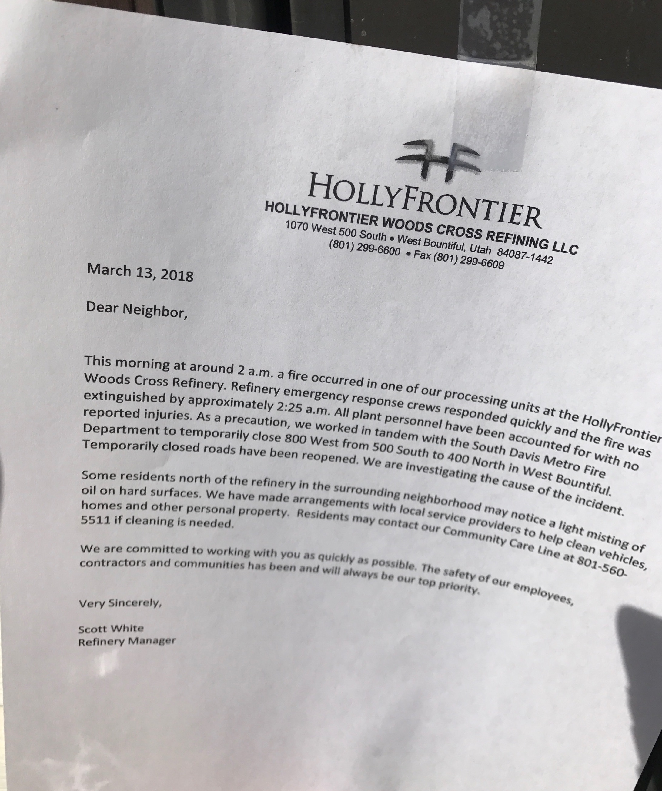 Notes taped to doors of homes in West Bountiful told residents of a refinery fire that left oil residue on homes and cars nearby. HollyFrontier said it was arranging for cleanup crews to help people lift the substance from cars, homes and other property.