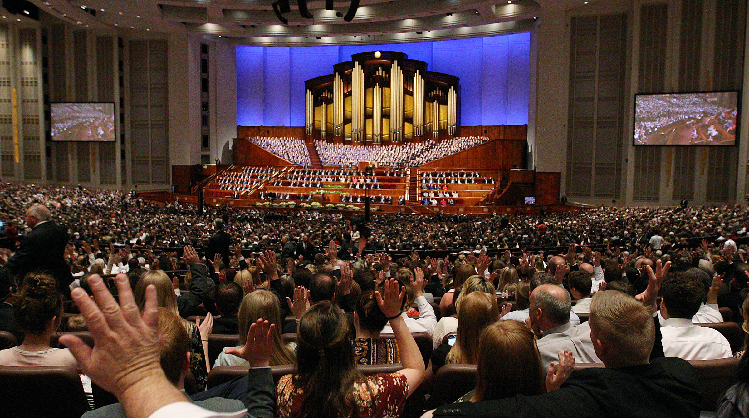 Church members sustain general authorities during the Saturday afternoon session of the LDS Church's 188th Annual General Conference in Salt Lake City on Saturday, March 31, 2018.