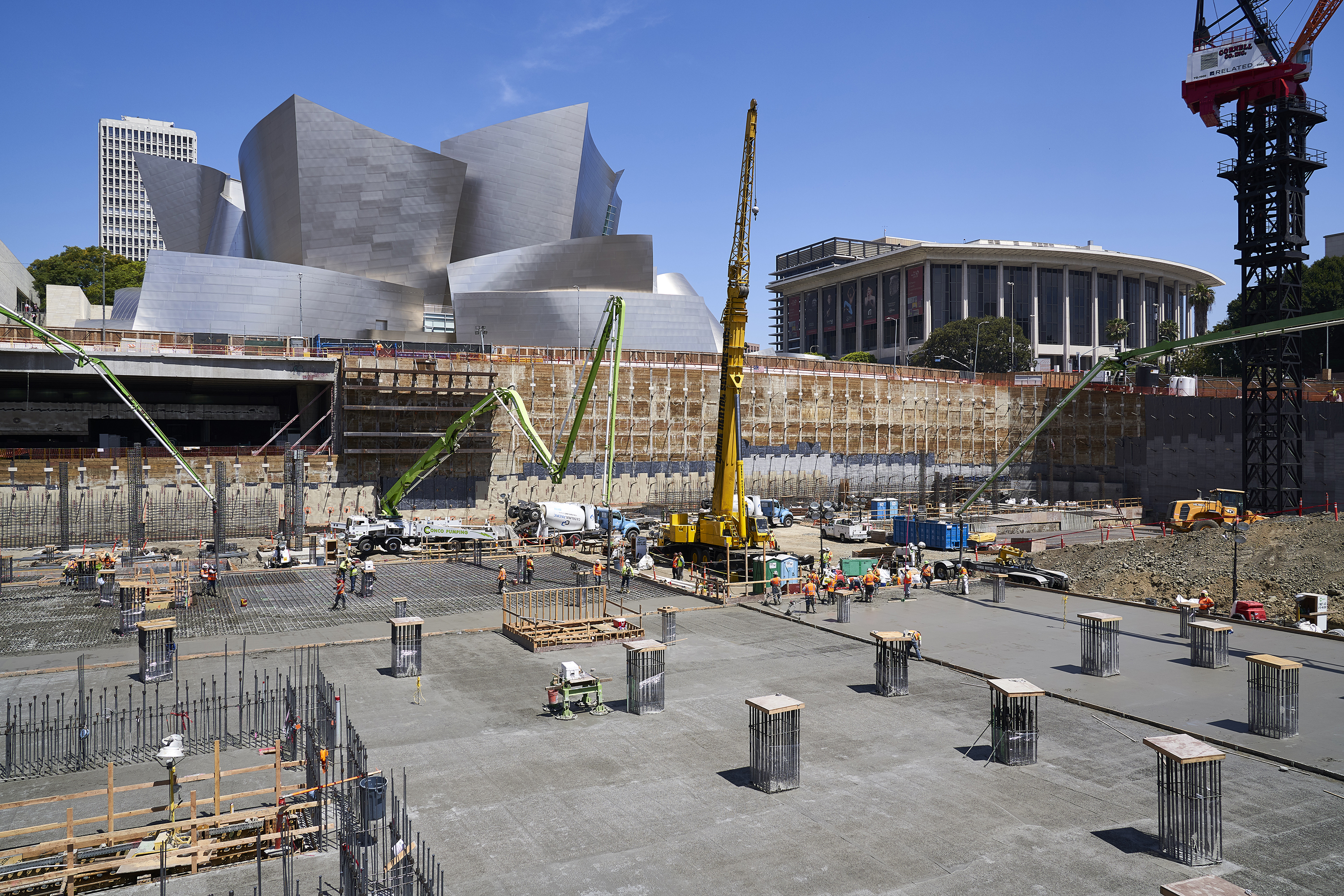 Huge foundation poured at Frank Gehry-designed Grand Avenue tower