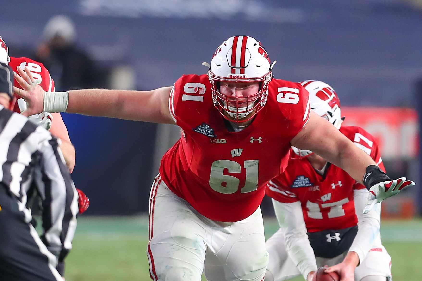 Wisconsin Badgers OL Tyler Biadasz during the 2018 New Era Pinstripe Bowl against the Miami Hurricanes, Dec. 27, 2018.