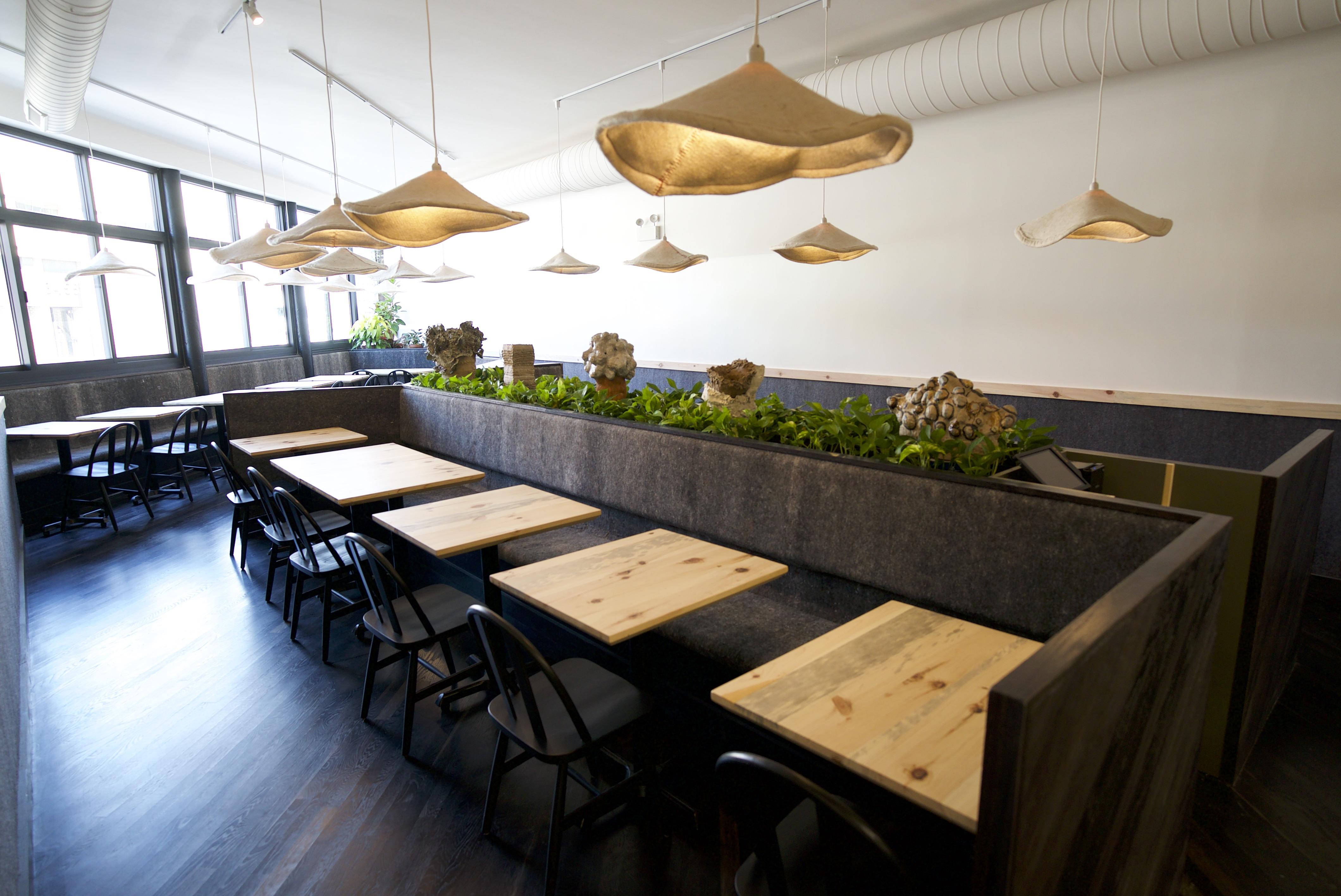 Parachute's Beard Award-Winning Chefs to Open Second Chicago Restaurant Next Week