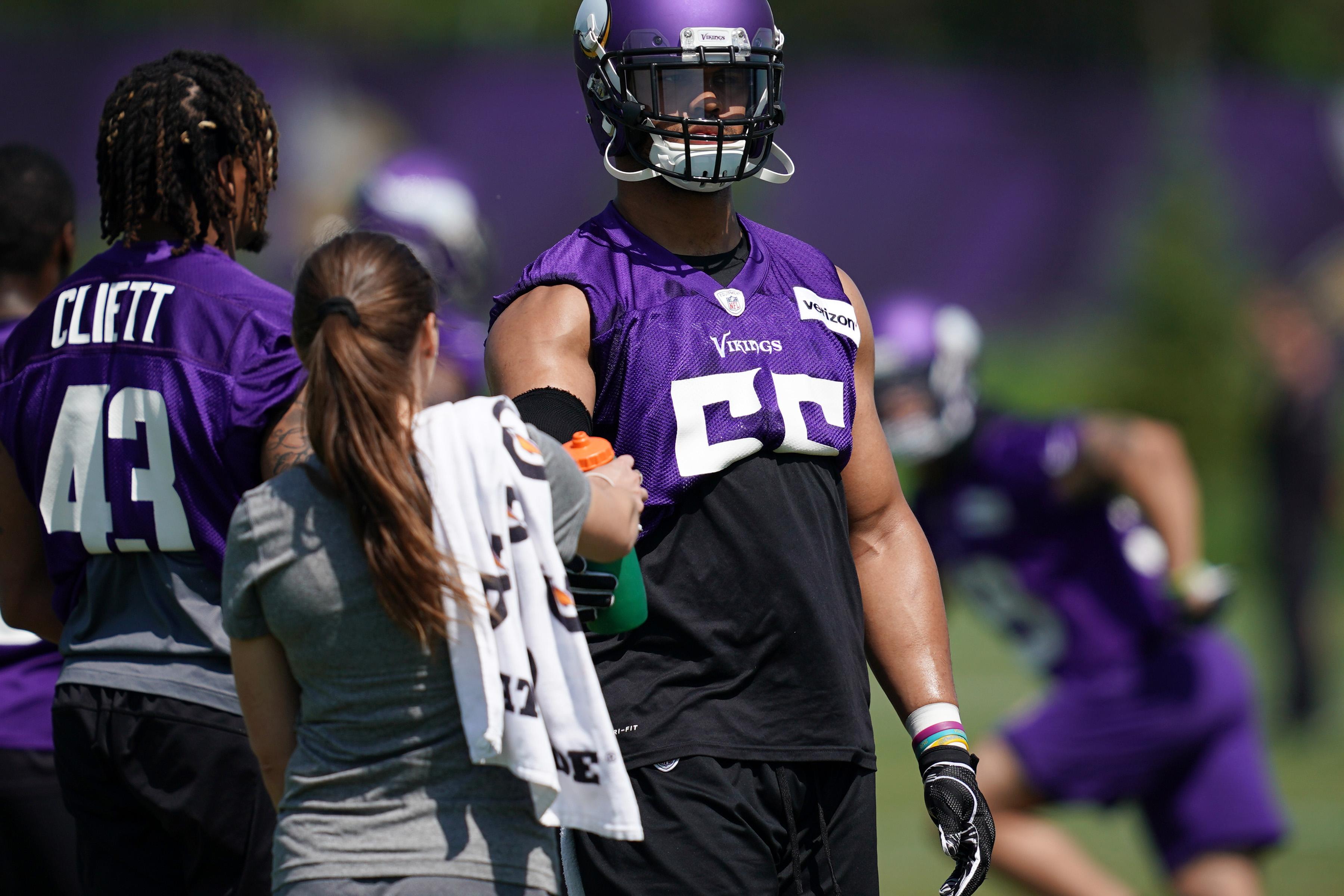 Minnesota Vikings go through drills during OTA