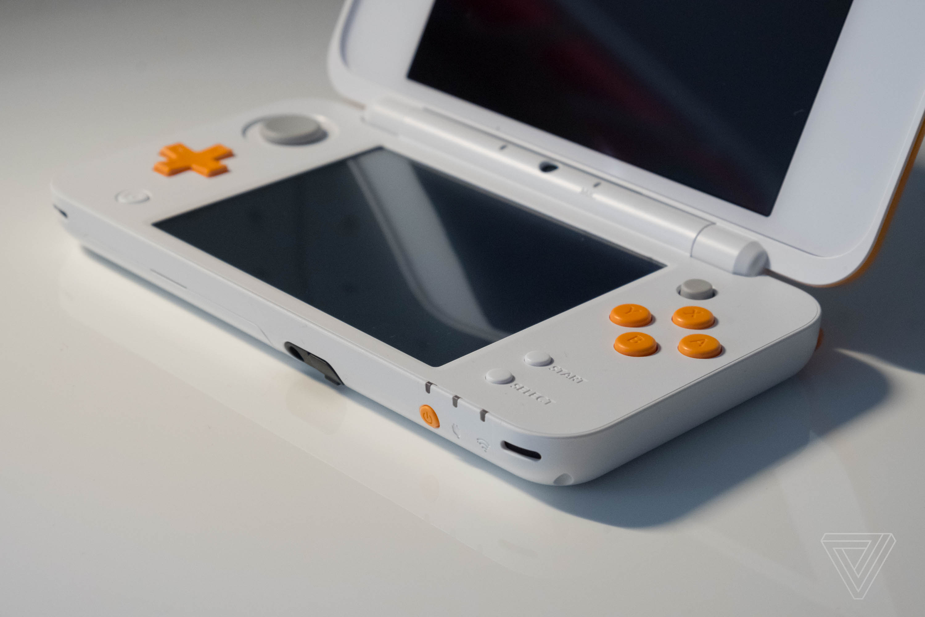 Nintendo says the Switch Lite isn't going to replace the 3DS