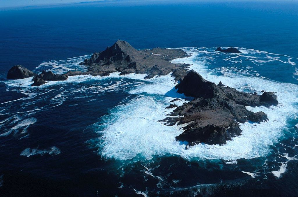 The Farallon Islands from the air.