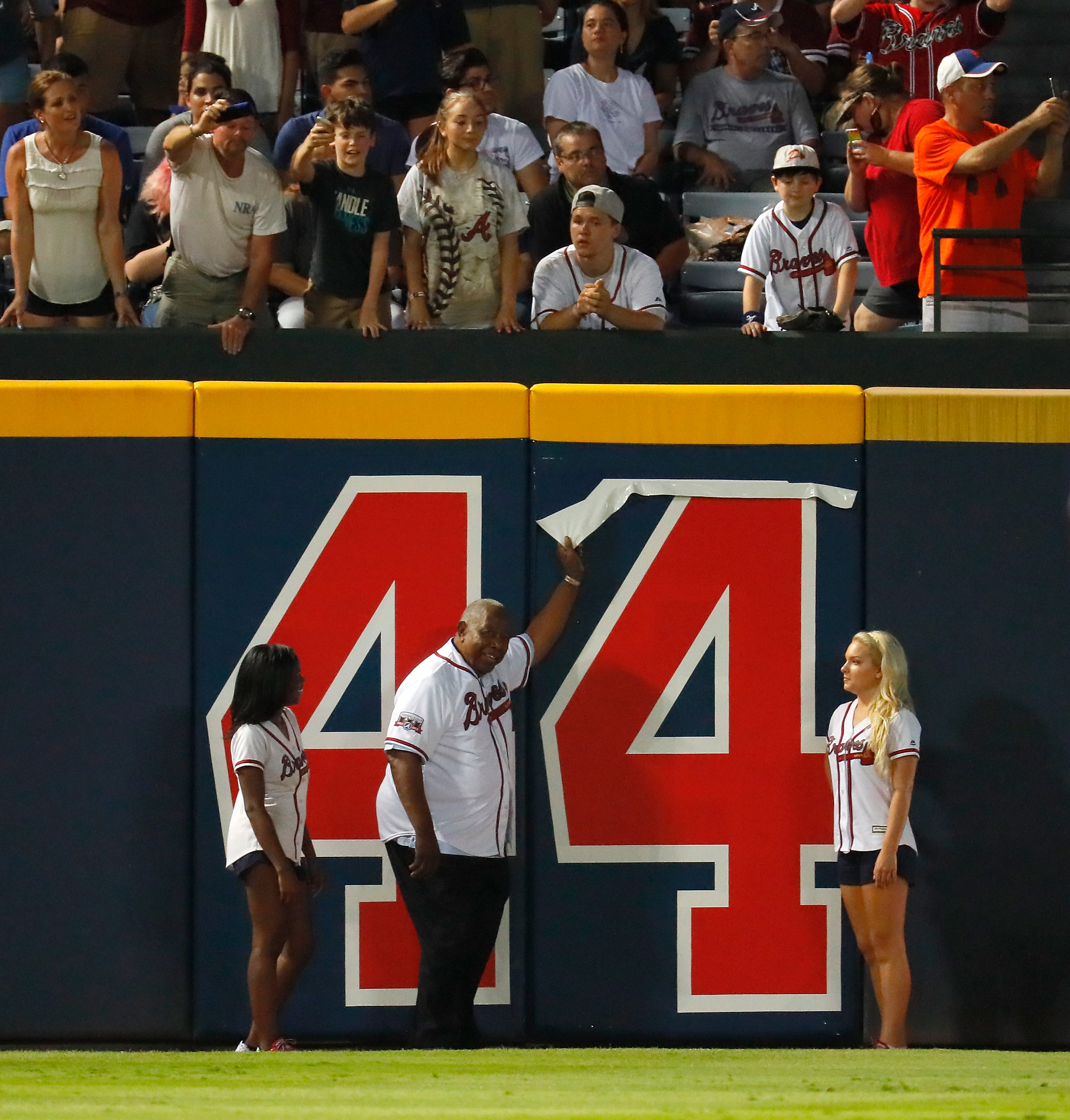 "<p zoompage-fontsize=""15"" style="""">New York Mets v Atlanta Braves"