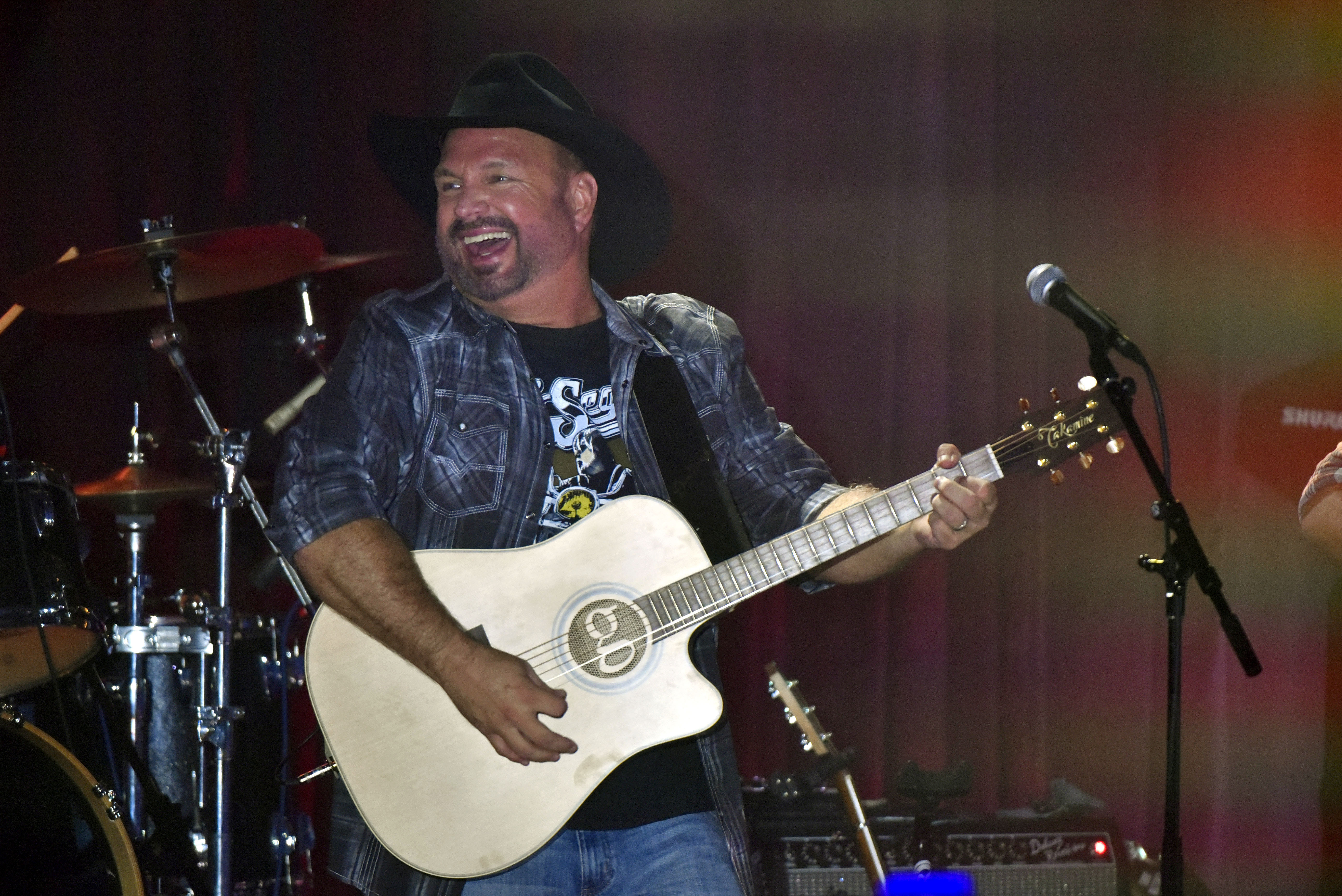 Garth Brooks performs at Joe's in Chicago, Monday, July 15, 2019, on the first stop of his Dive Bar tour. Garth has partnered with Seagram's 7 Crown to secure 700,000 pledges to #JoinThePact, a pledge to never drive impaired.