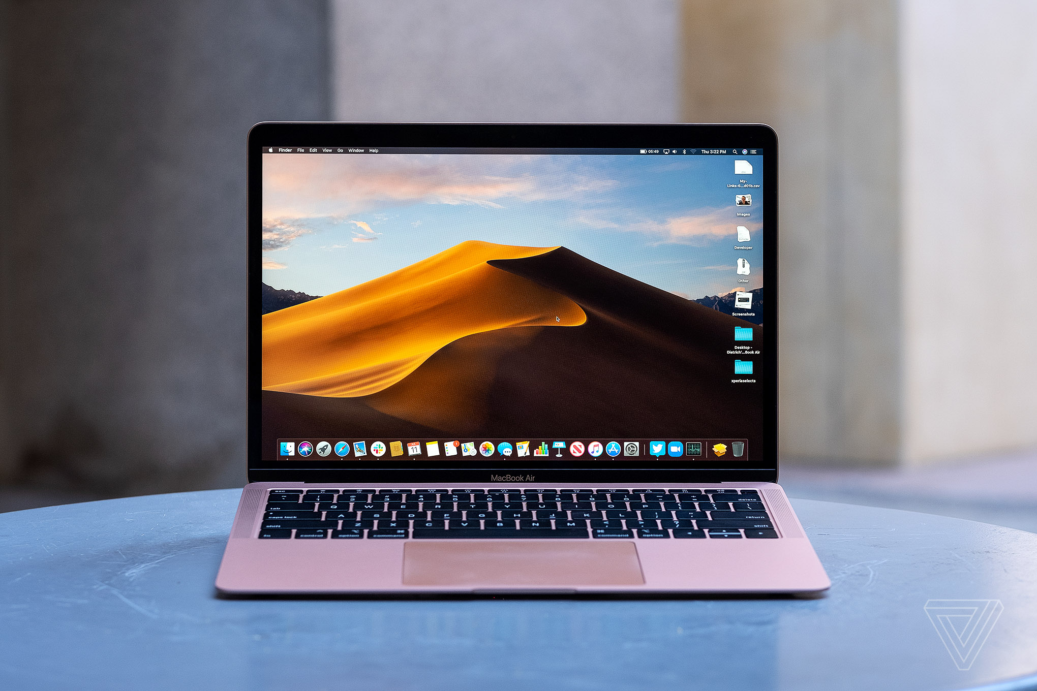 Apple MacBook Air (2019) review: the new normal - The Verge