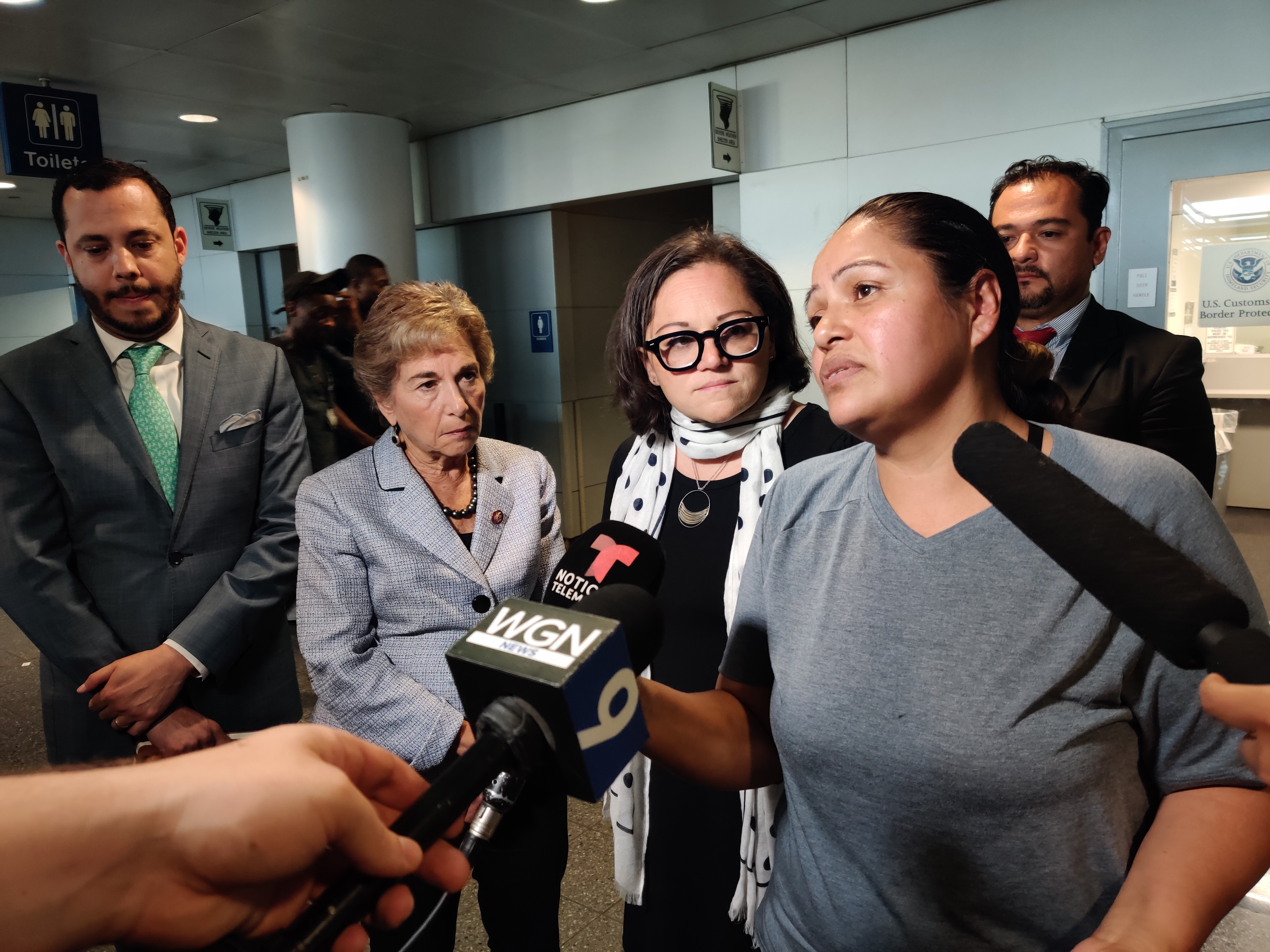 Mother of three girls detained at O'Hare