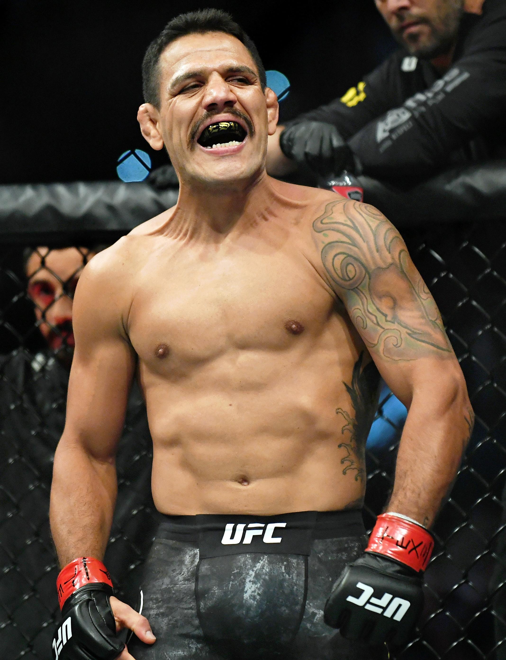MMA: UFC Fight Night-San Antonio-Dos Anjos vs Edwards