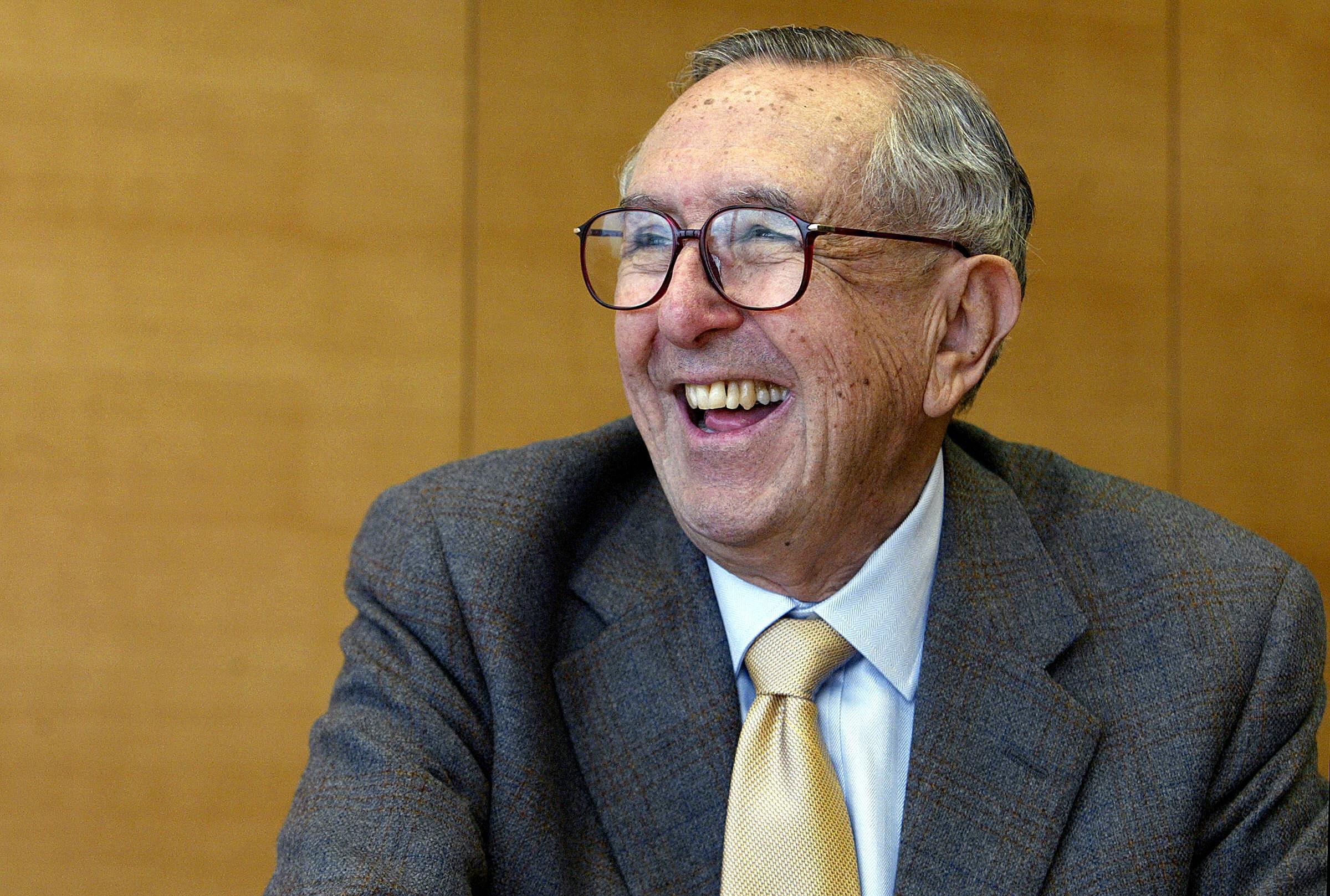 Argentinian architect Cesar Pelli smiles