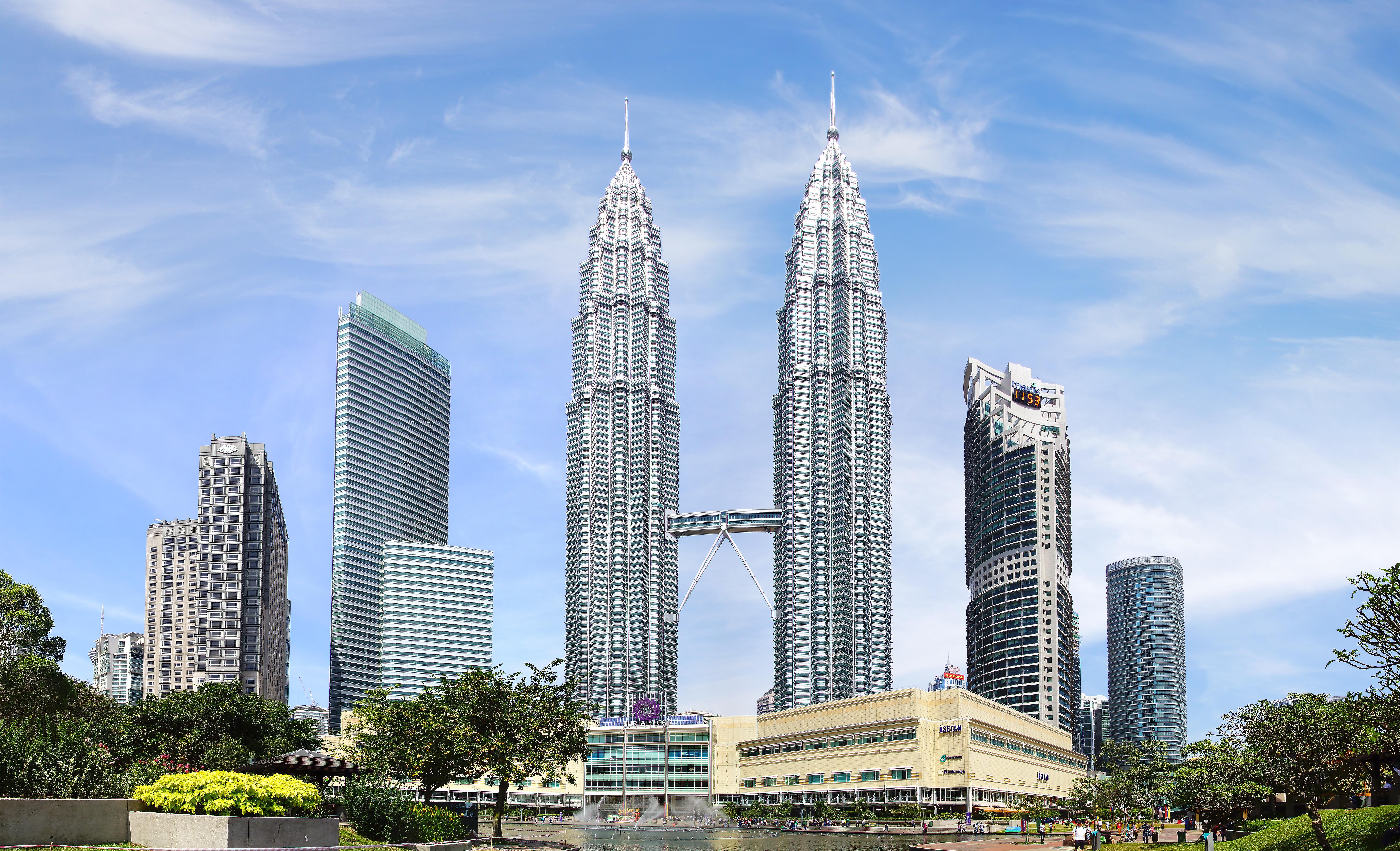 twin skyscrapers in Kuala Lumpur, Malaysia