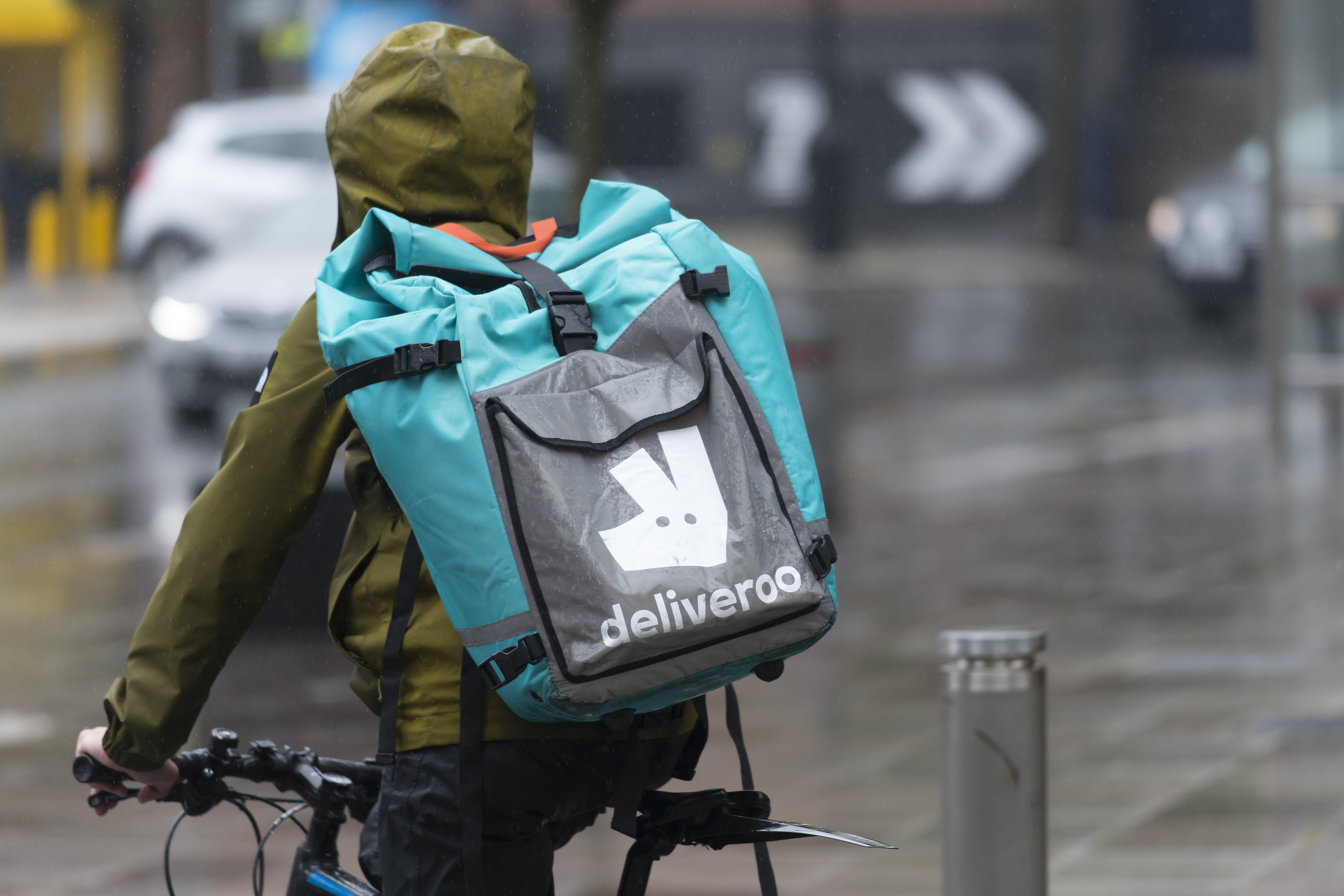 Delivery Giant Deliveroo Tests Out Supermarket Food Delivery