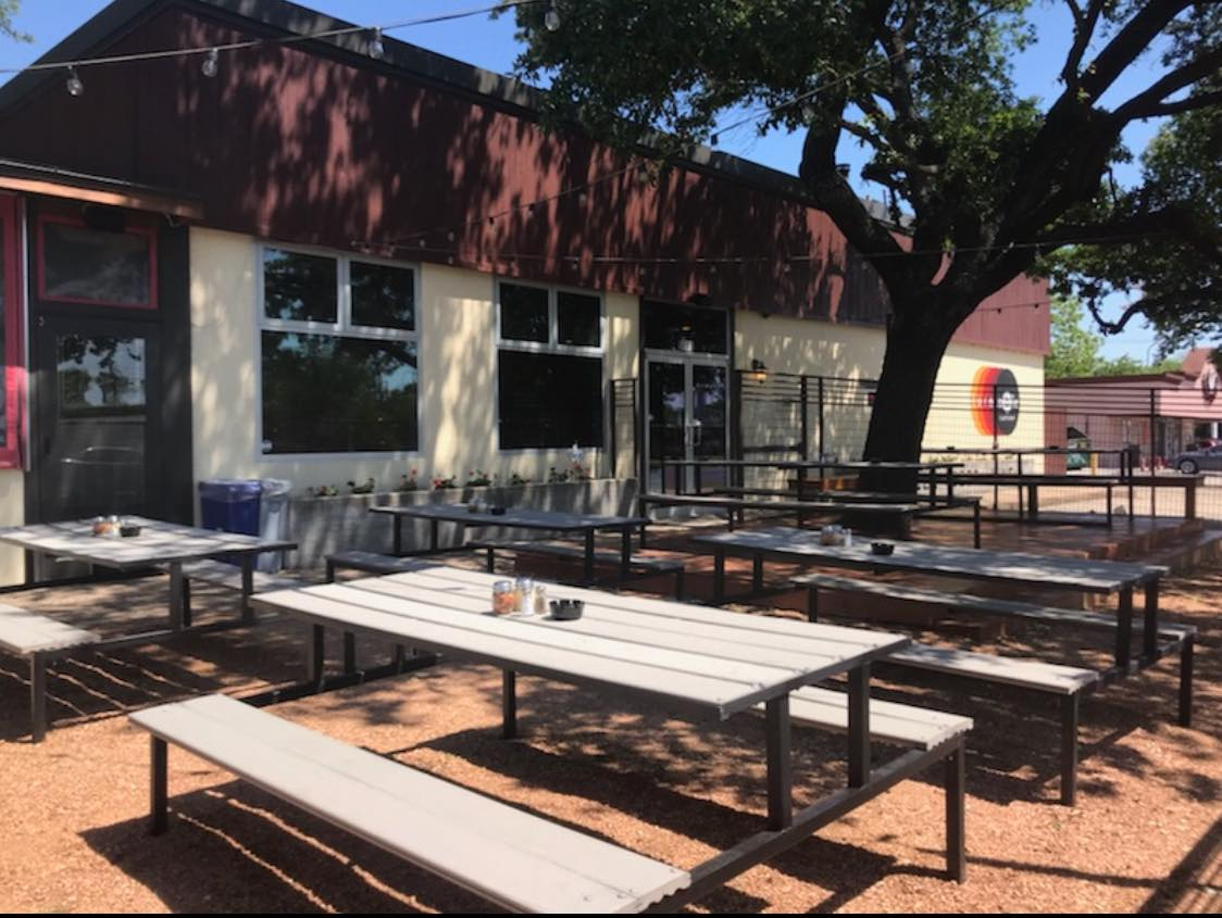 The outside patio at restaurant Turntable Eatery
