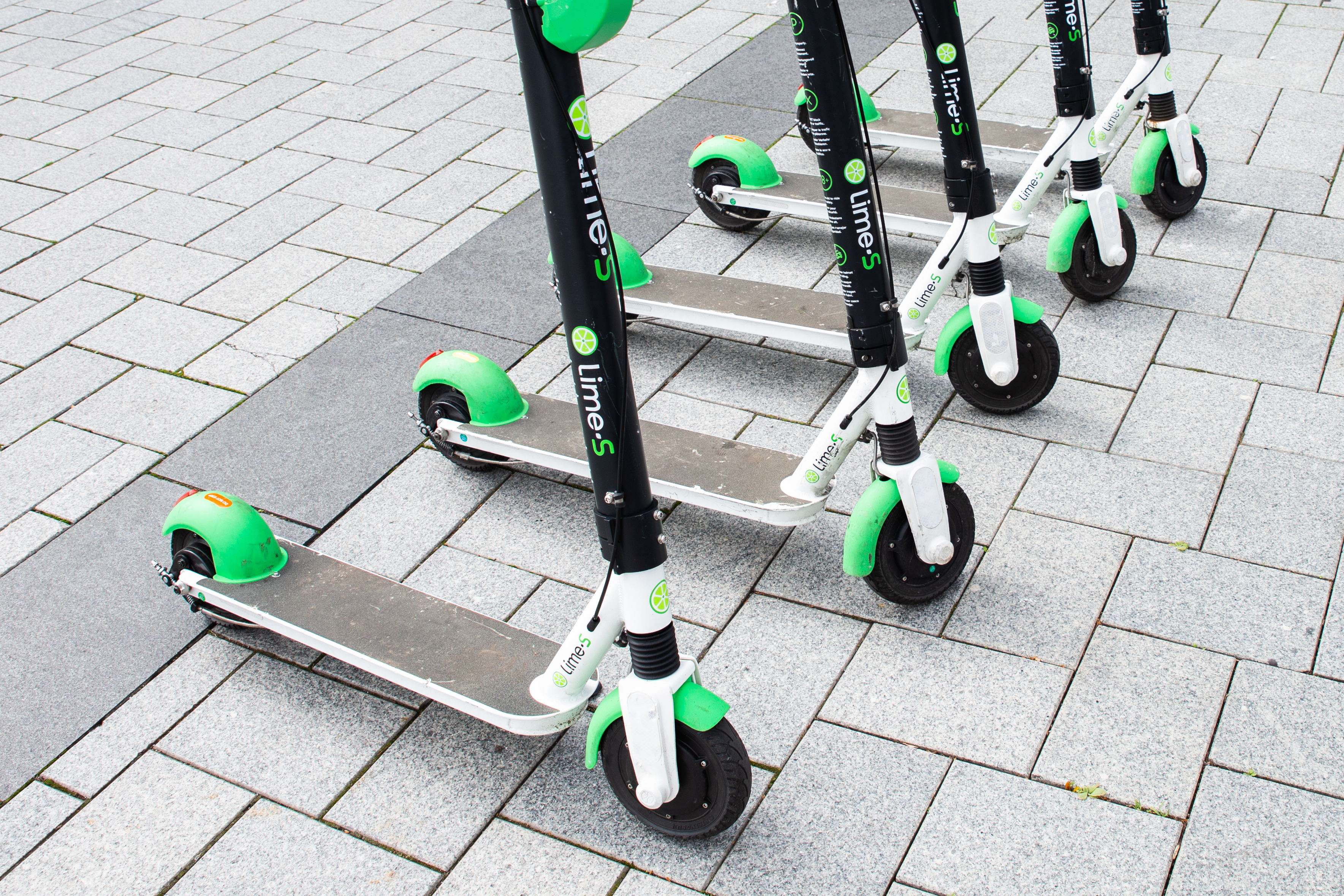More scooters needed to meet Chicago's demand, Lime says