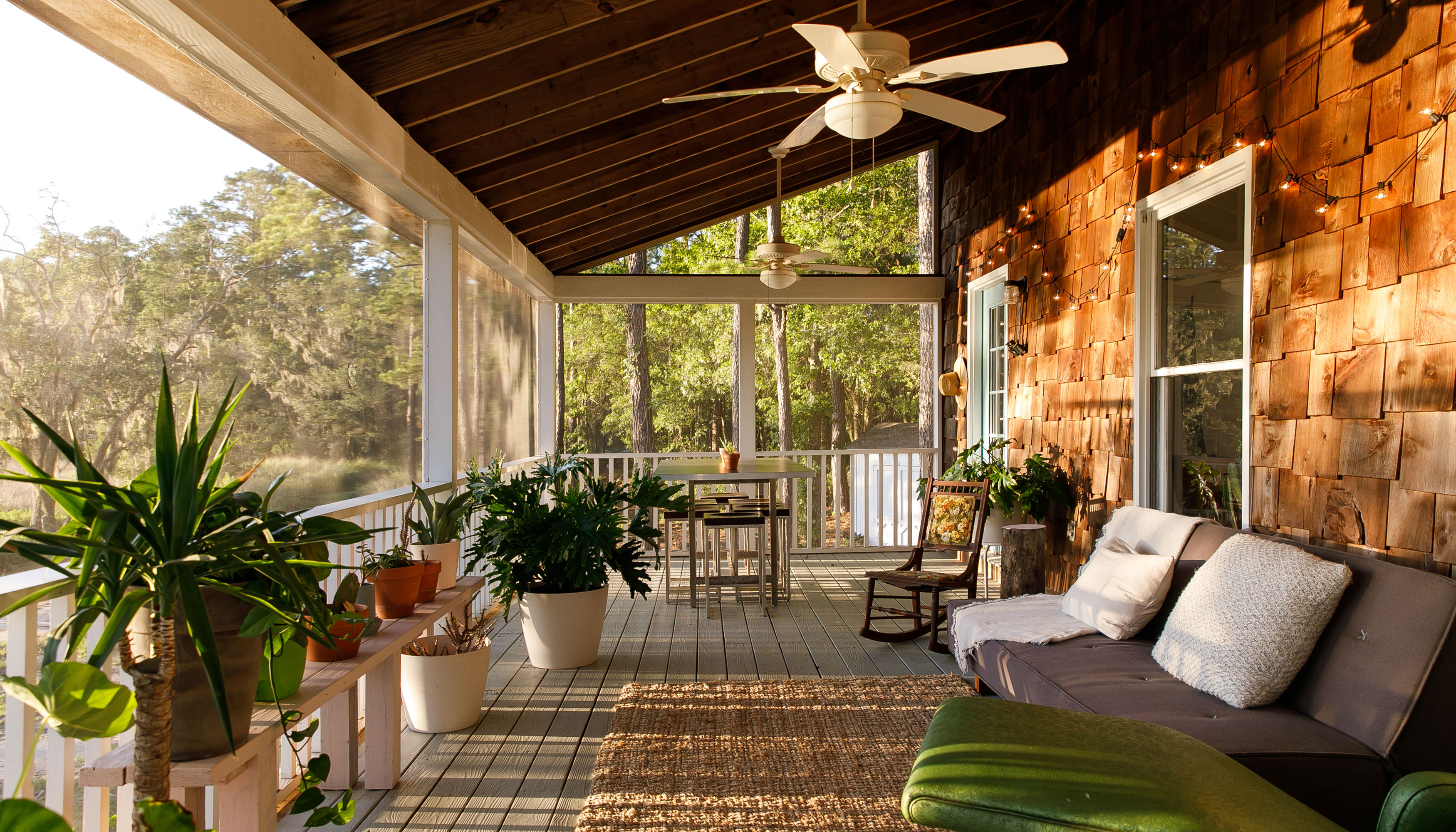 Embracing indoor-outdoor living in the South Carolina marshlands