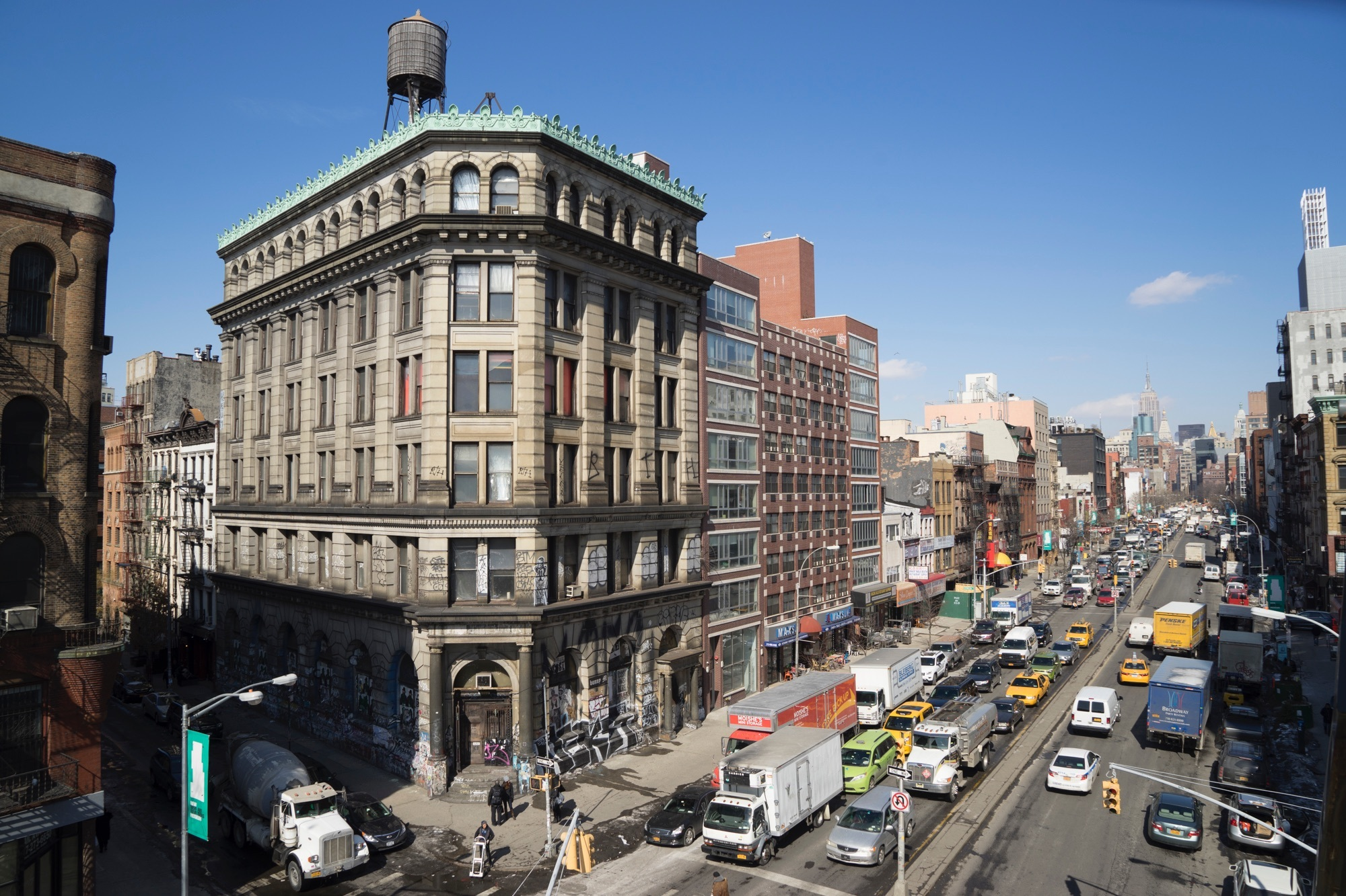 The story behind one of NYC's most mysterious buildings and its longtime owner