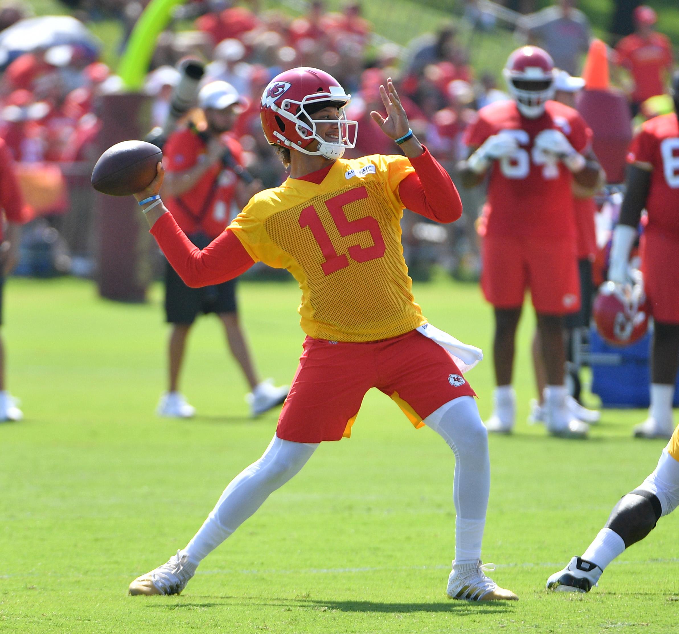 Mahomes tops 2019 quarterback NFL prop bets roundup