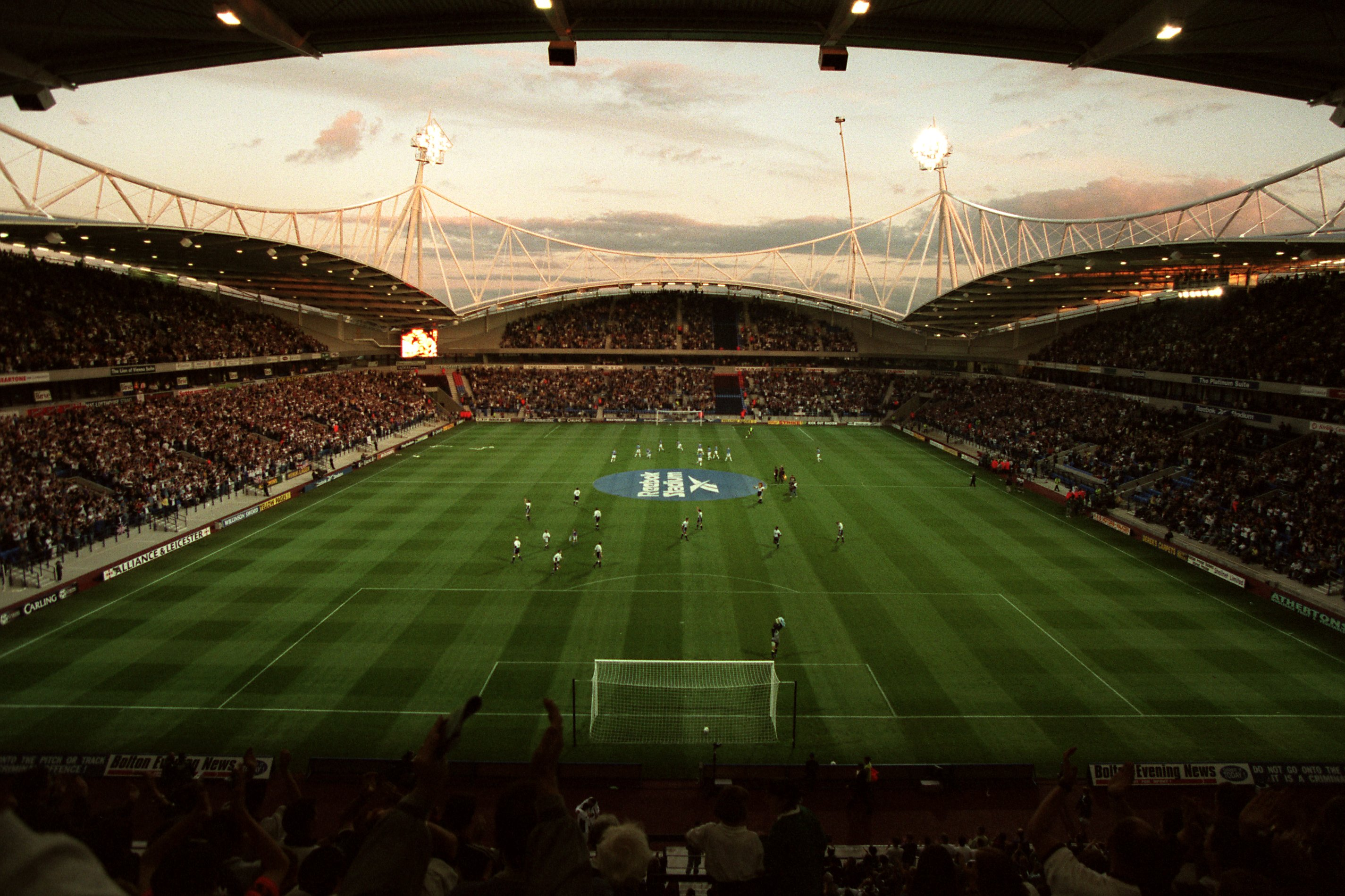 Soccer - FA Carling Premiership - Bolton Wanderers v Everton