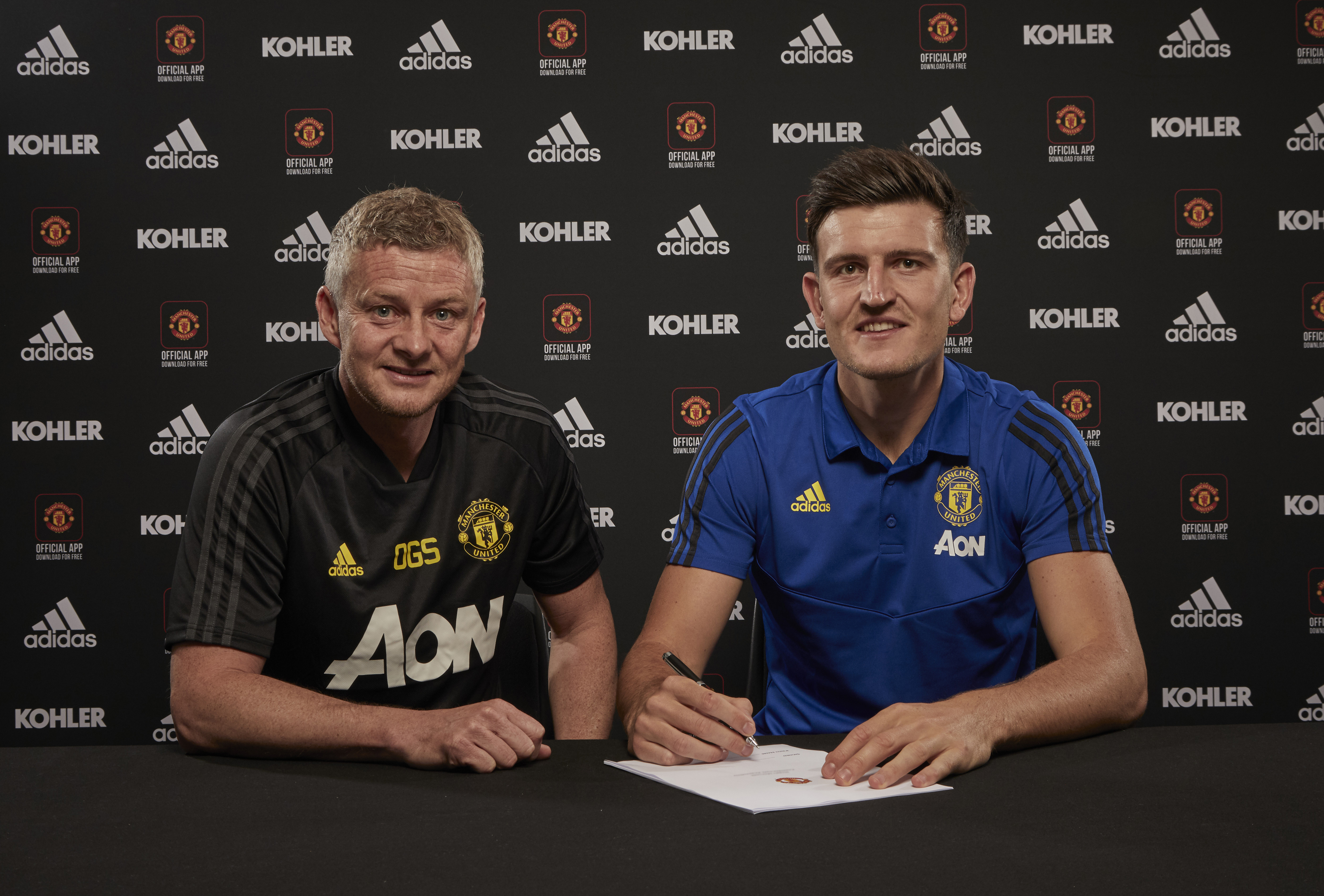Manchester United Unveil New Signing Harry Maguire