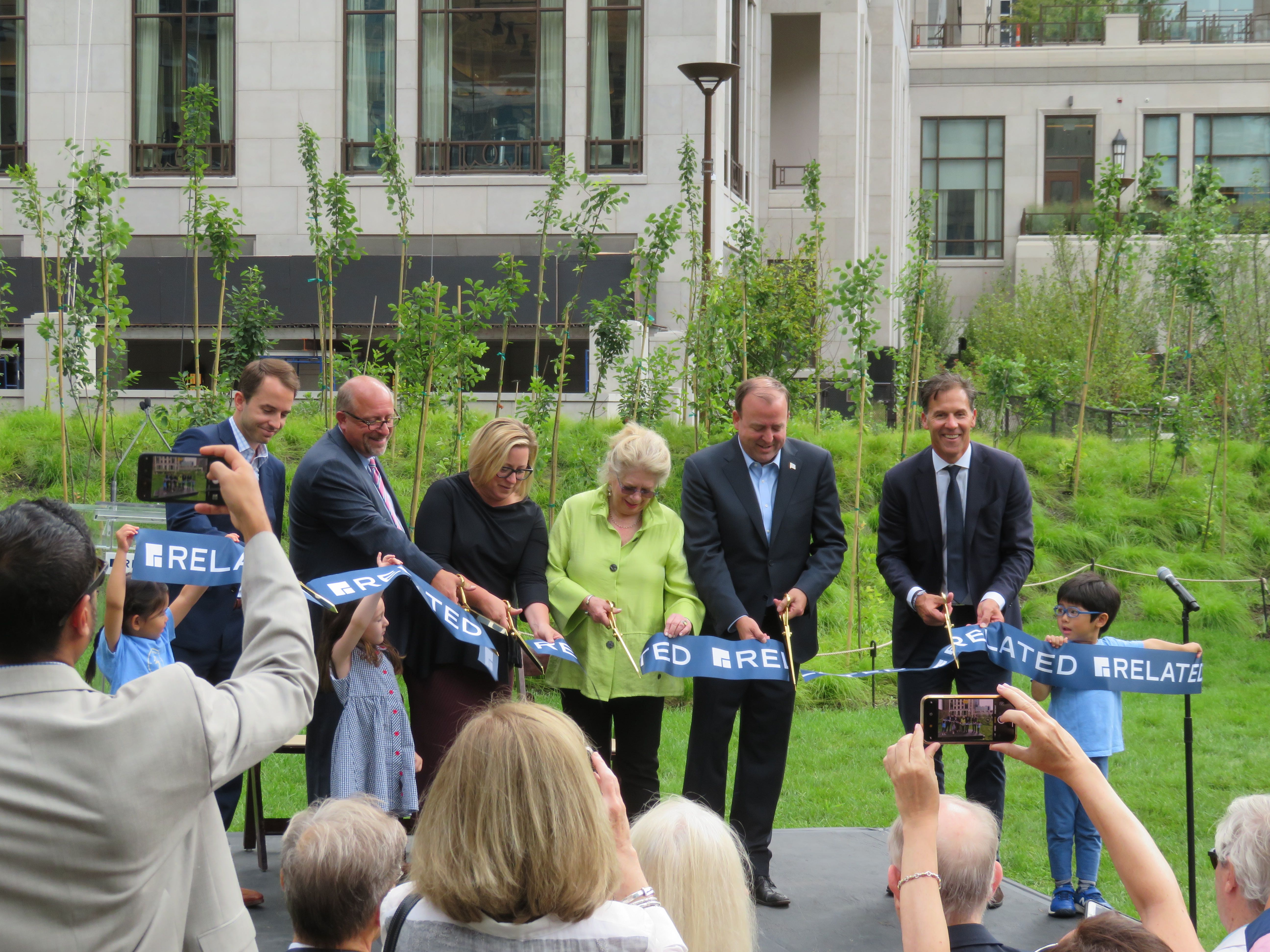 Bennett Park brings new playground, dog runs, and lush landscaping to Streeterville