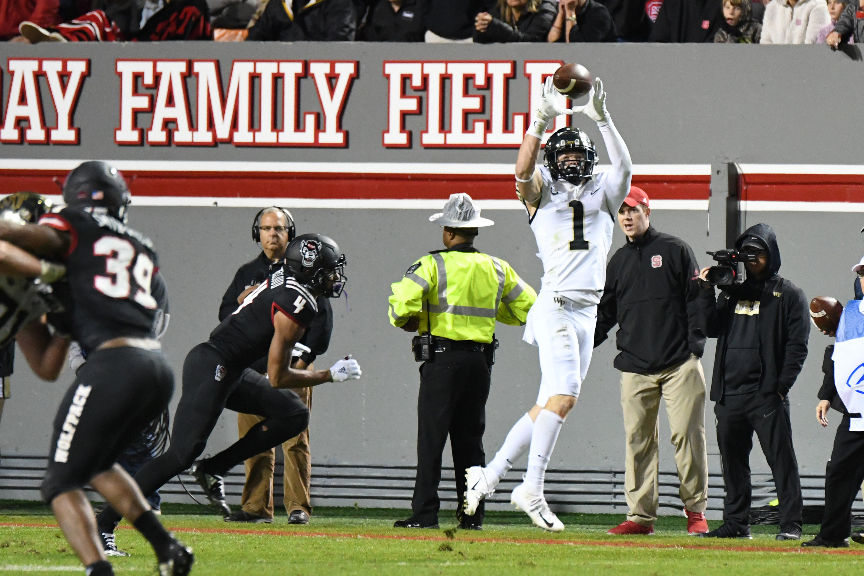 COLLEGE FOOTBALL: NOV 08 Wake Forest at NC State