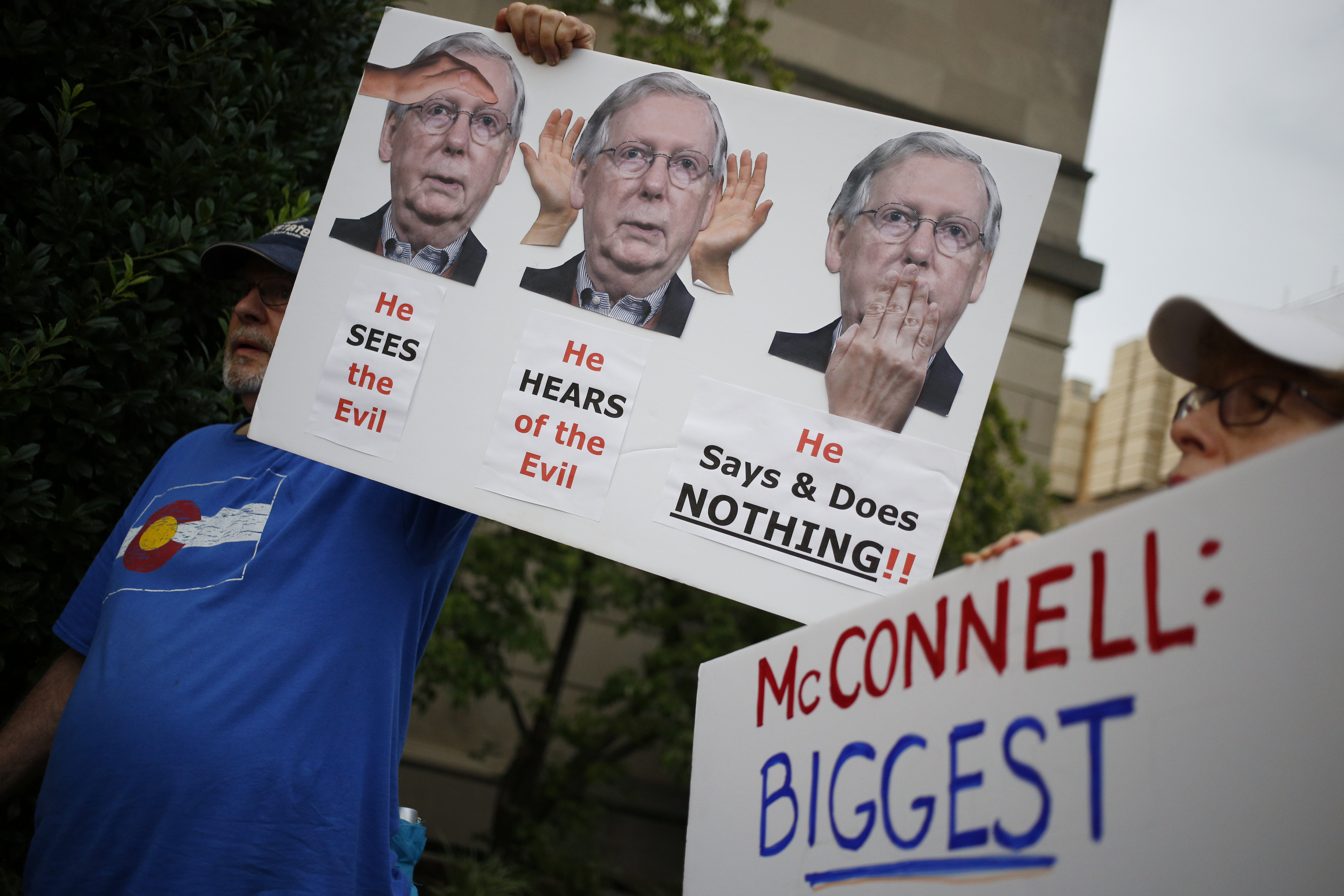 The drama over Mitch McConnell's Twitter account, explained