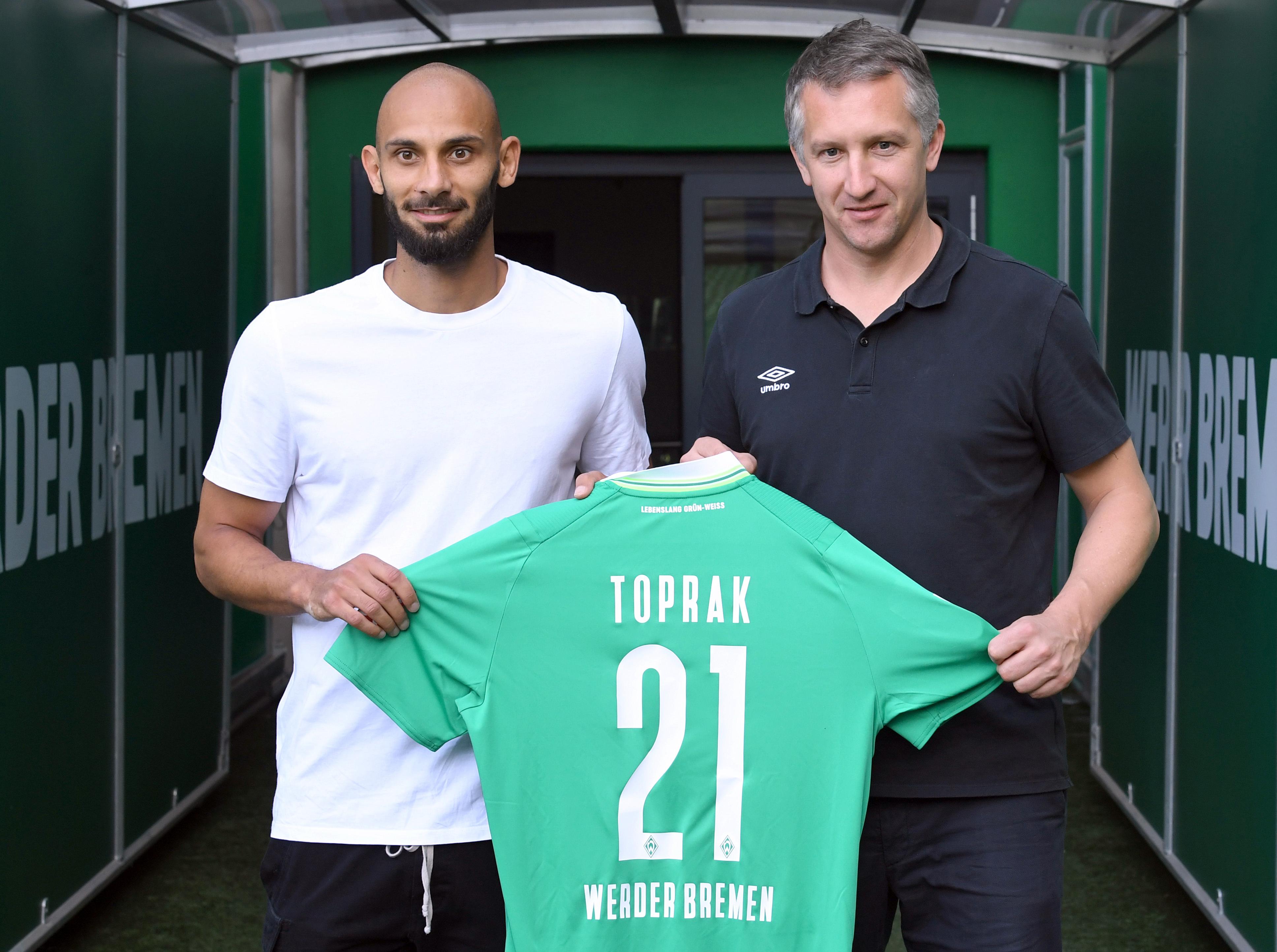 Werder Bremen presents newcomer Toprak