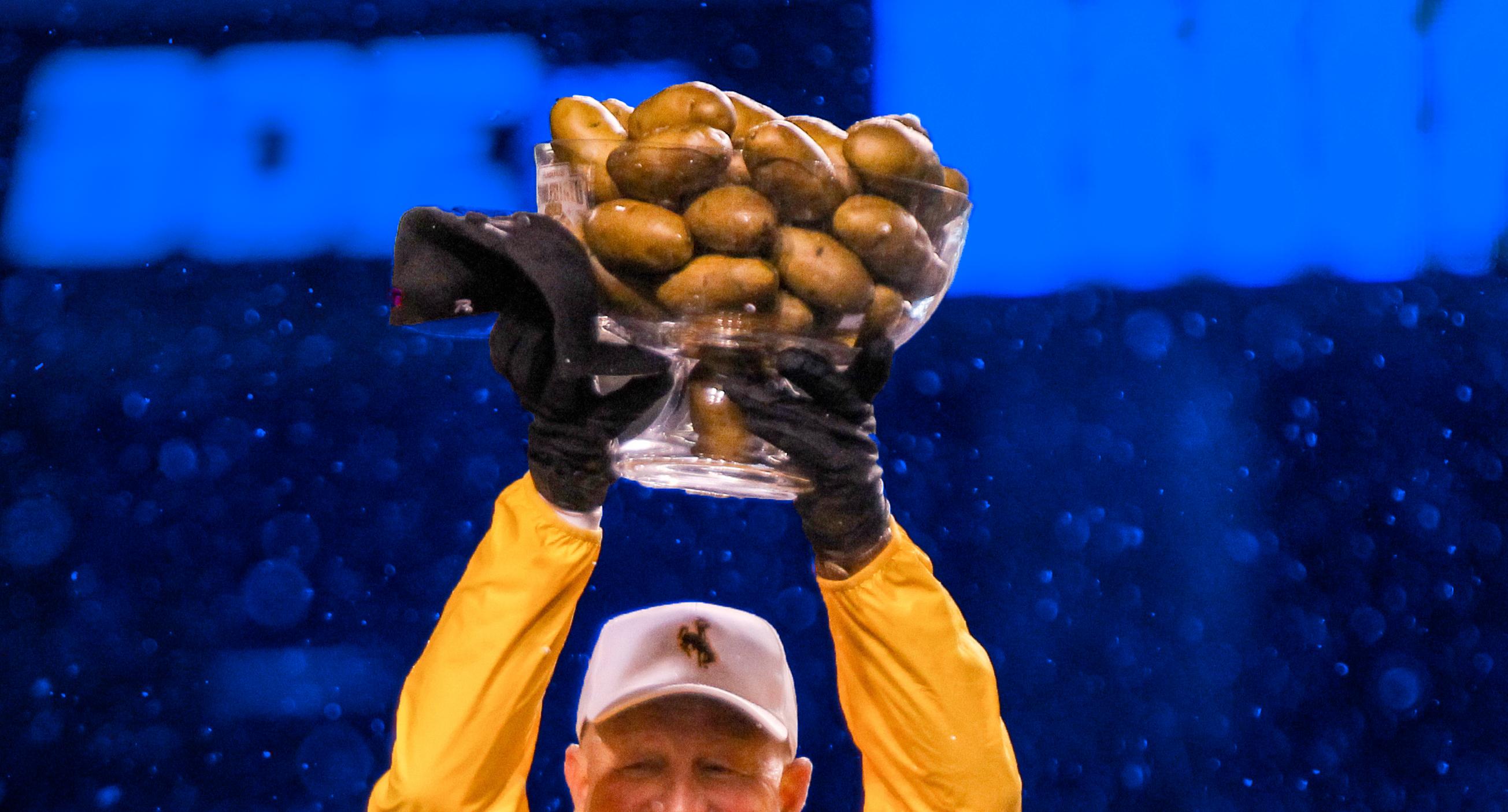 Potato Bowl, Wyoming vs. Central Michigan
