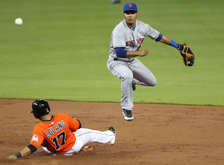 Ruben Tejada 29 Apr 2013 (credit: Marc Serota/Getty Images)
