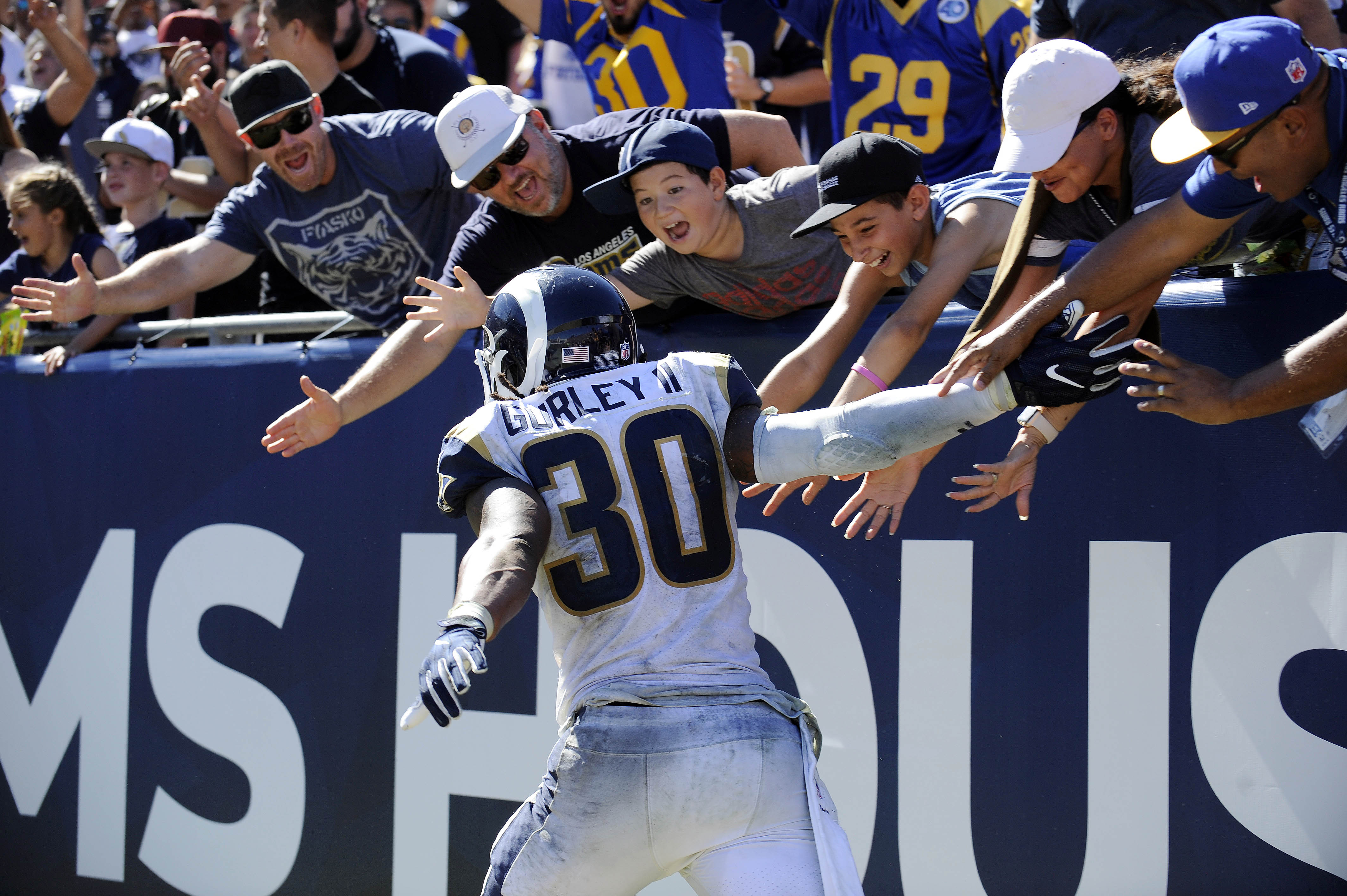 Los Angeles Rams celebrate a touchdown by RB Todd Gurley against the Arizona Cardinalsin Week 2, Sep. 16, 2018.