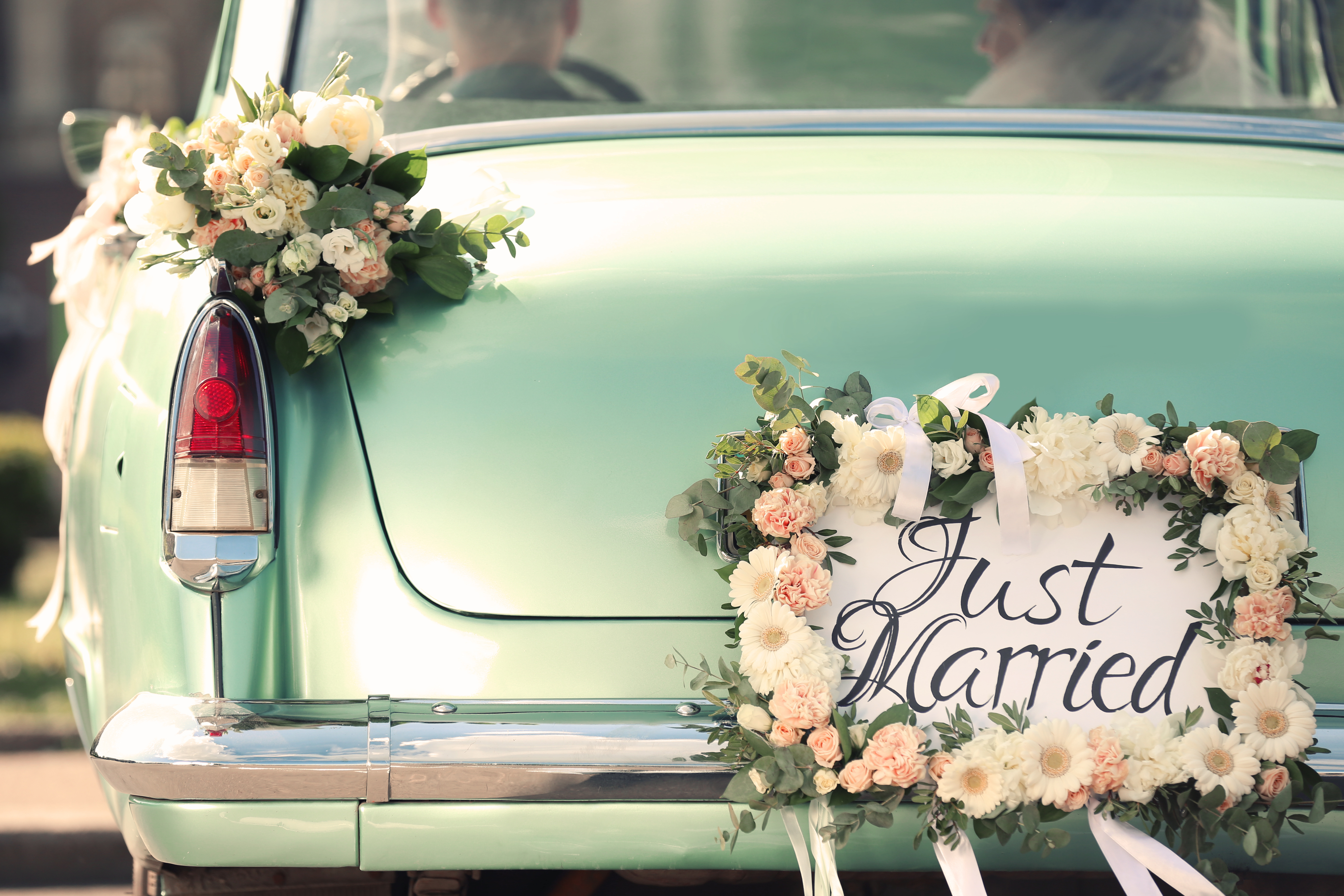 Making achoice between everyday essentials anda weekend wedding isn't uncommon for millennials, as 41 percent have considered skipping a friend's big day because they couldn't afford the expenses.