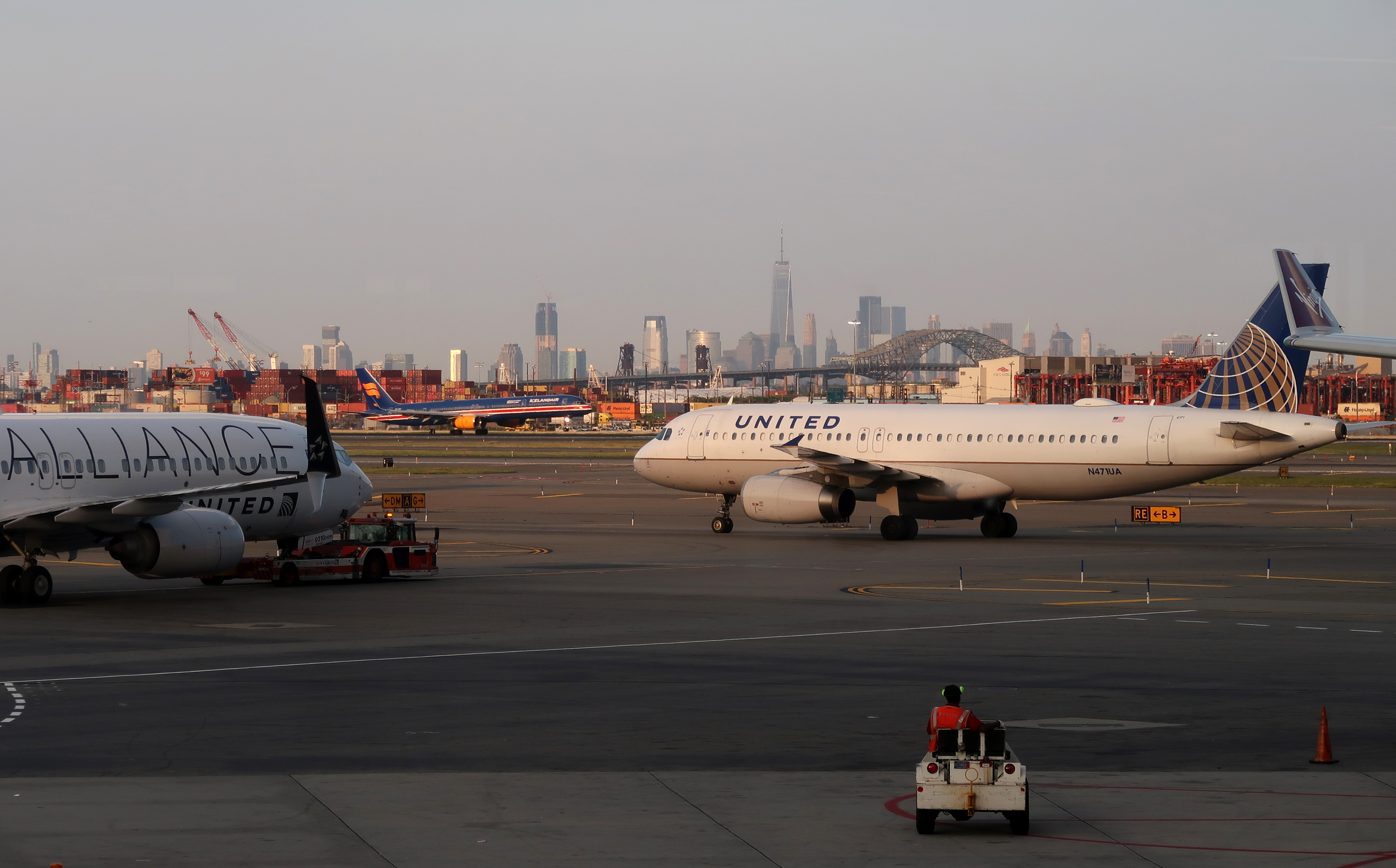 United Airlines Airplanes at Newark Liberty Airport