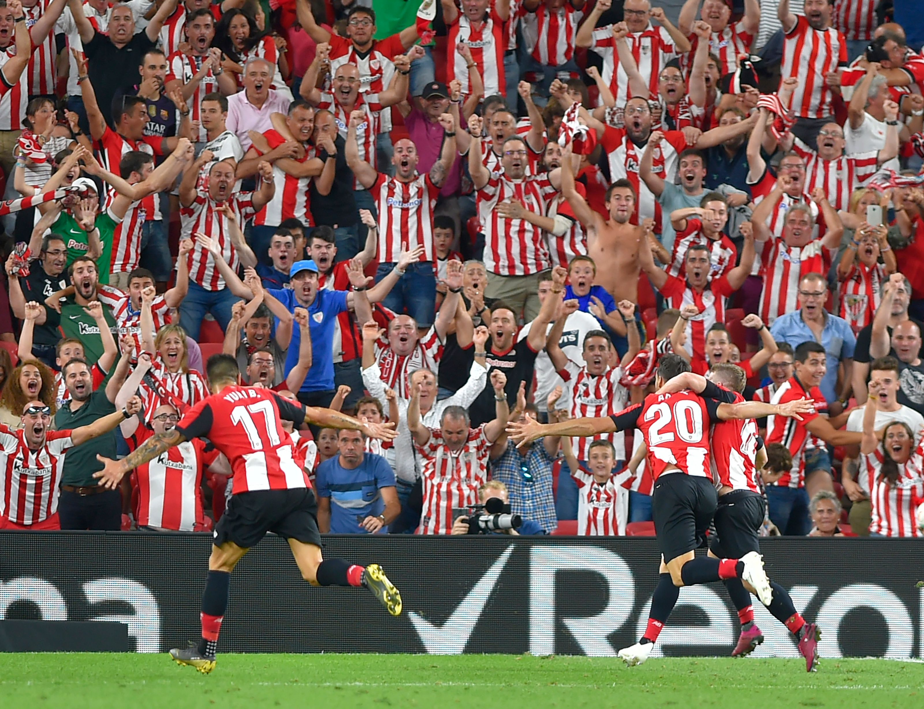 Aritz Aduriz's bicycle kick goal against Barcelona reminded us that the world is full of wonder