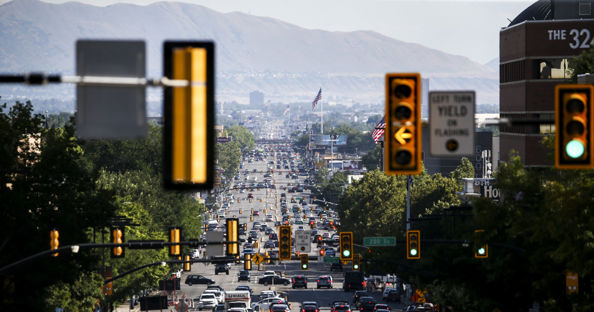 Traffic heads south on State Street during rush hour in Salt Lake City on Friday, Aug. 2, 2019. Due to its high levels of ozone pollution in 2017 and 2018, Salt Lake City has appeared on a new report detailing ozone pollution issues across the country.