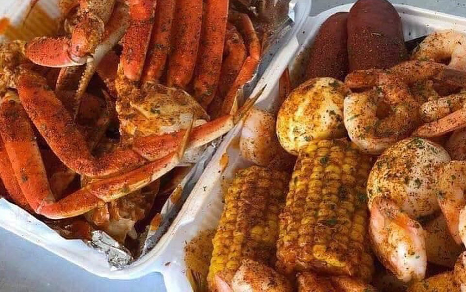 Southern-Style Snow Crab and Shrimp Plates Arrive in Spring Valley