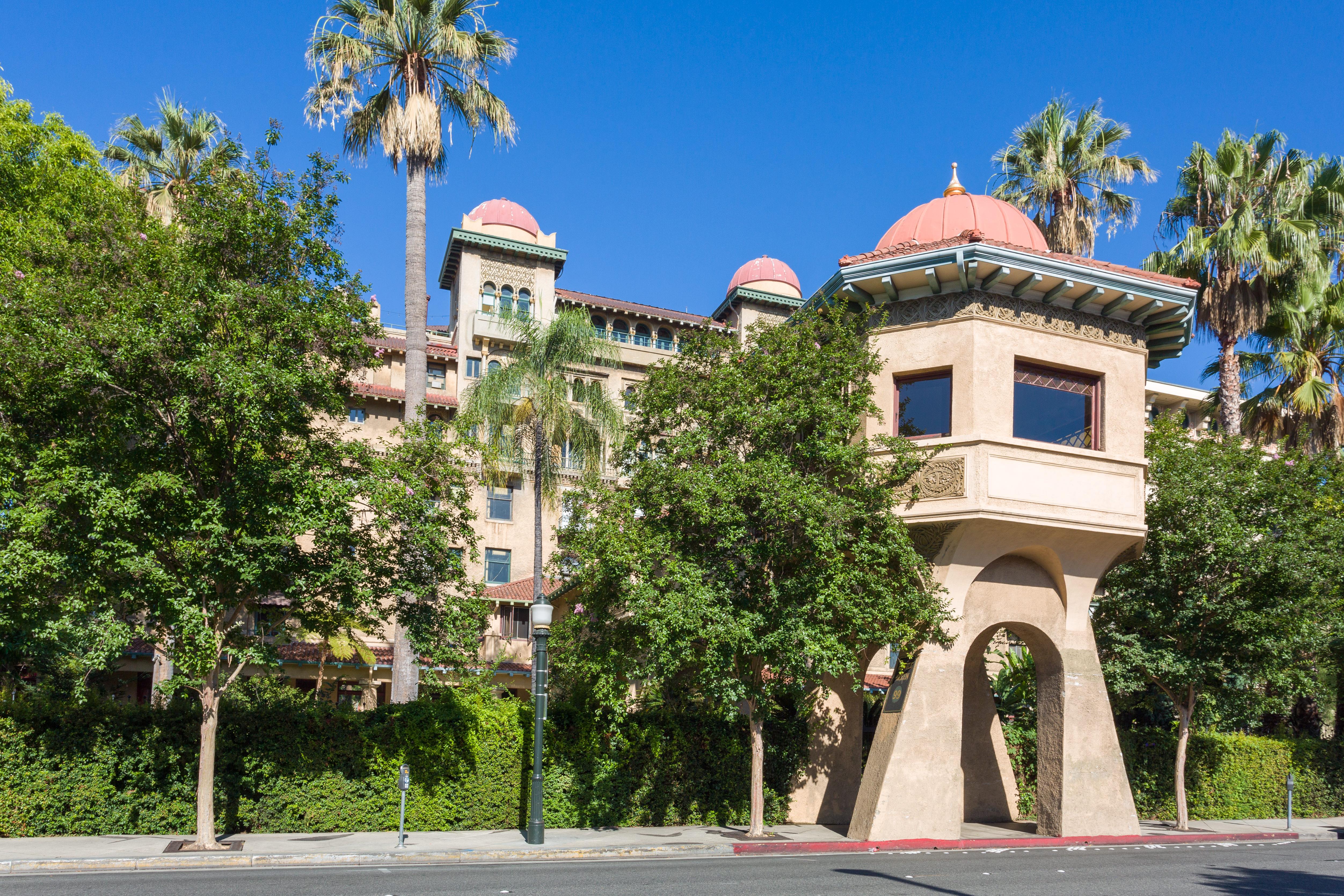 One-bedroom condo in Pasadena's historic Castle Green asking $525K